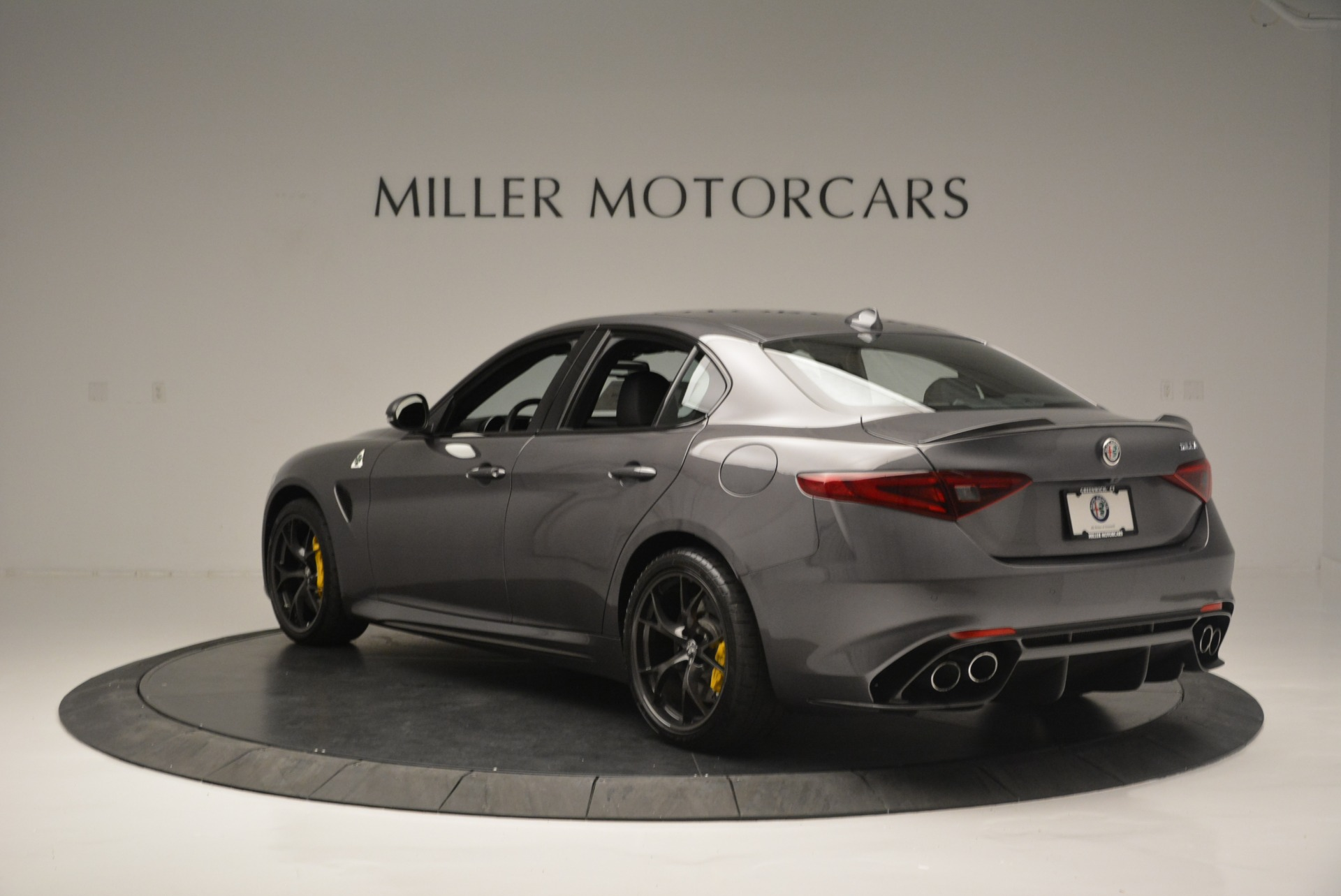 New 2018 Alfa Romeo Giulia Quadrifoglio For Sale In Greenwich, CT 2032_p5