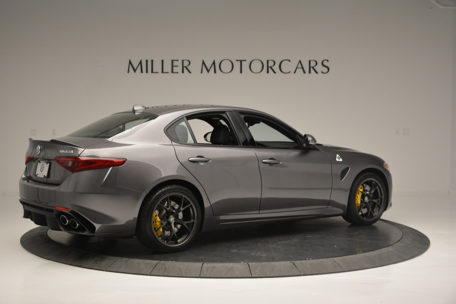 New 2018 Alfa Romeo Giulia Quadrifoglio For Sale In Greenwich, CT 2032_p8