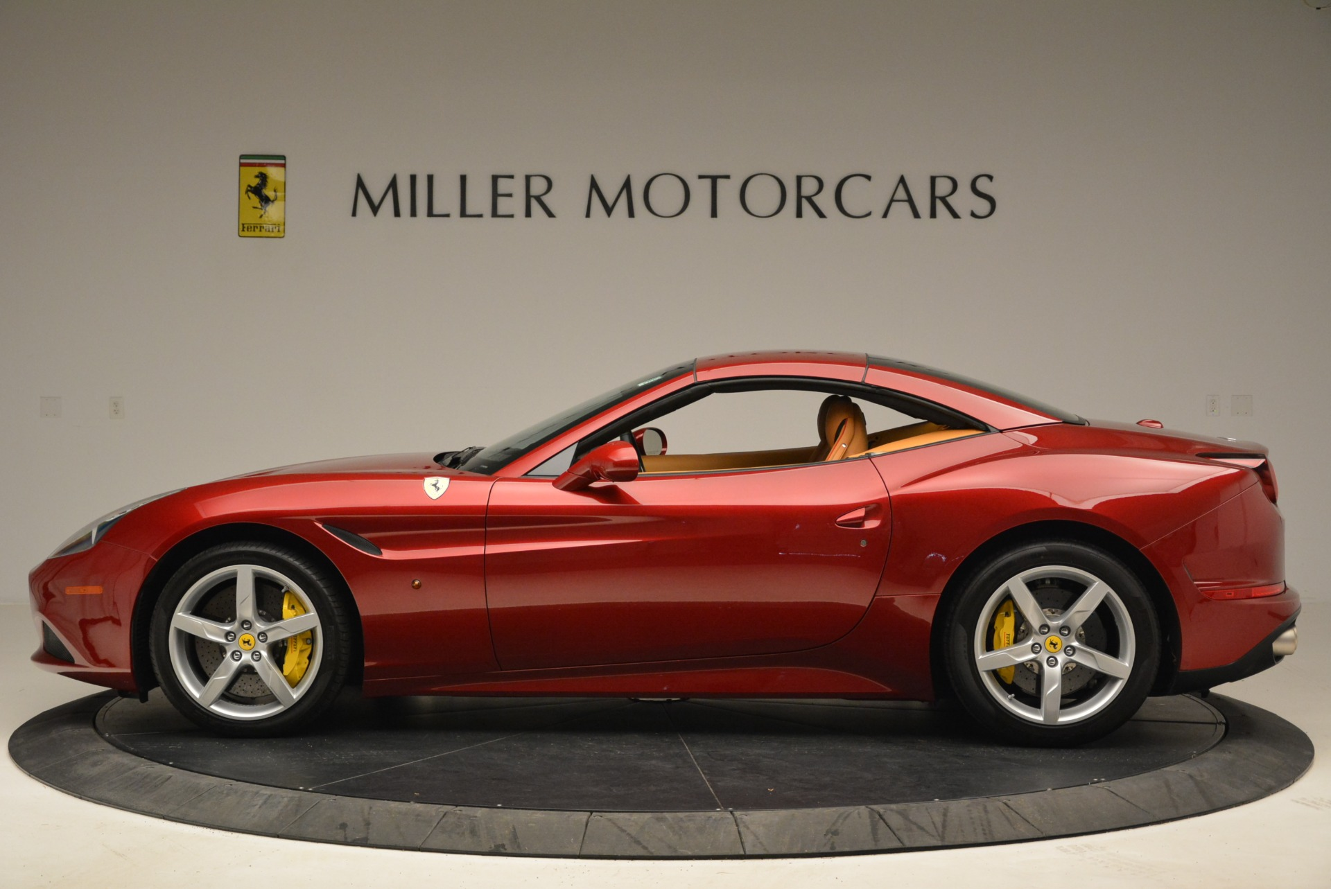 Used 2015 Ferrari California T  For Sale In Greenwich, CT 2033_p15