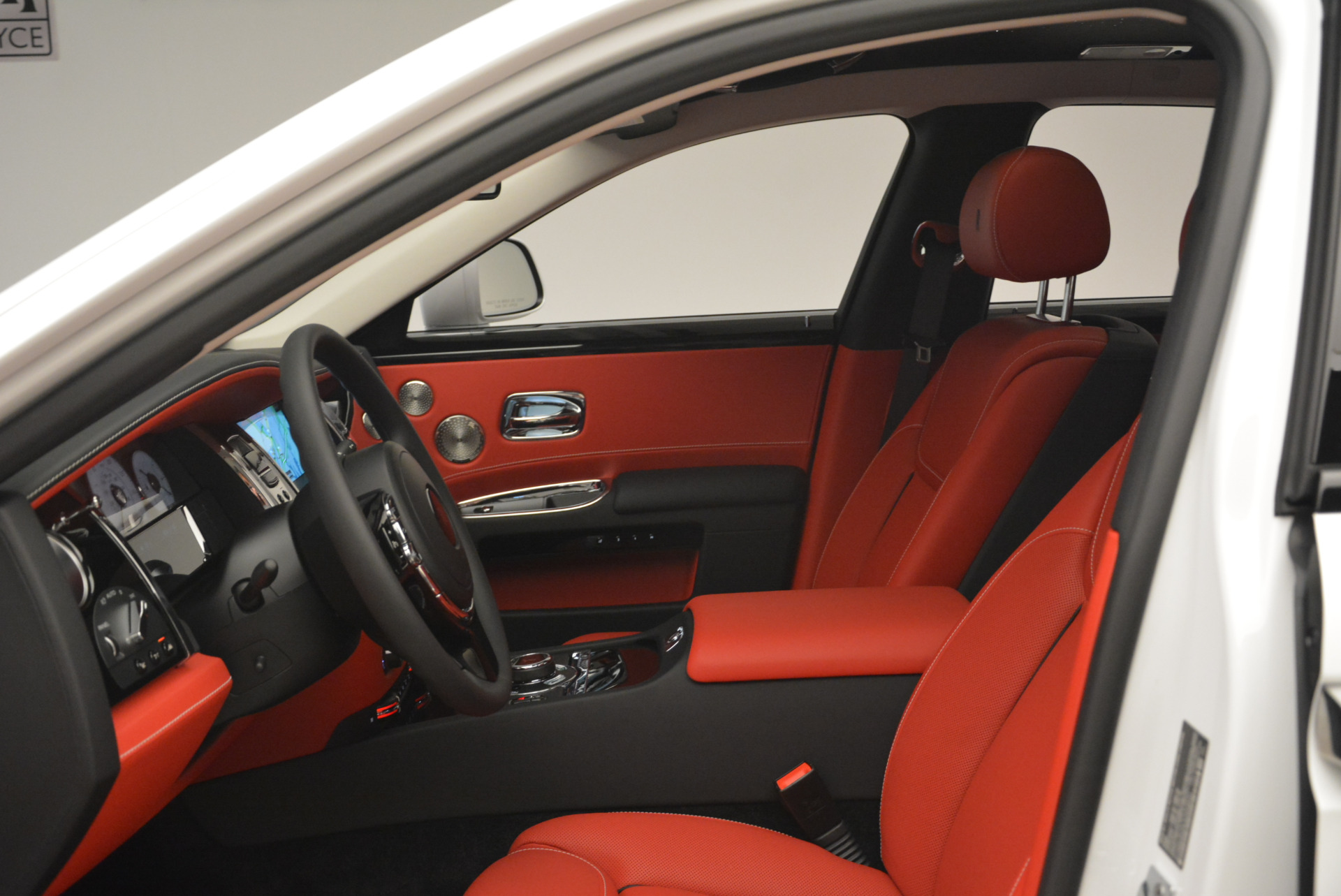 New 2018 Rolls-Royce Ghost  For Sale In Greenwich, CT 2034_p19