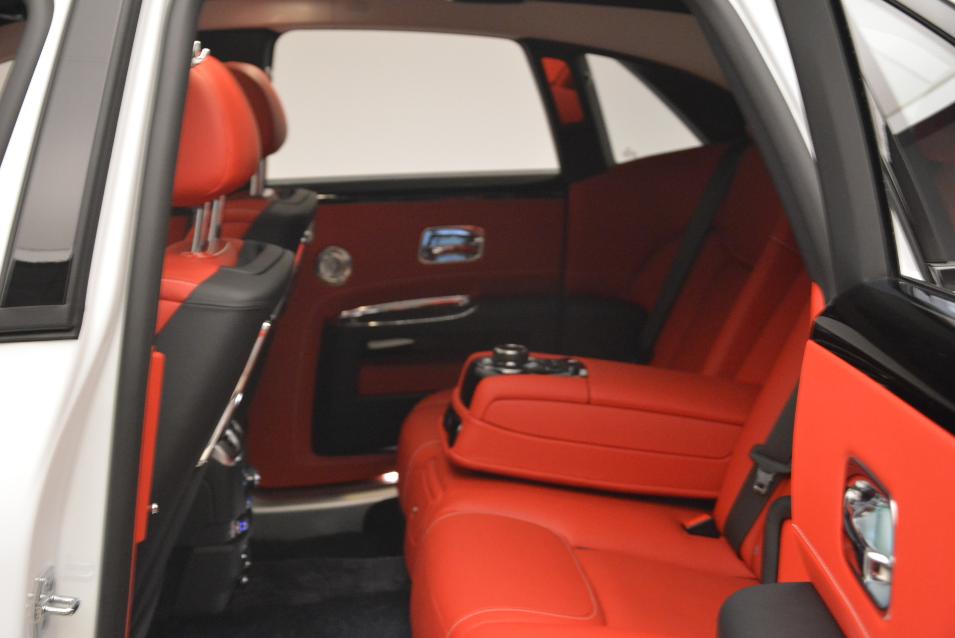 New 2018 Rolls-Royce Ghost  For Sale In Greenwich, CT 2034_p25