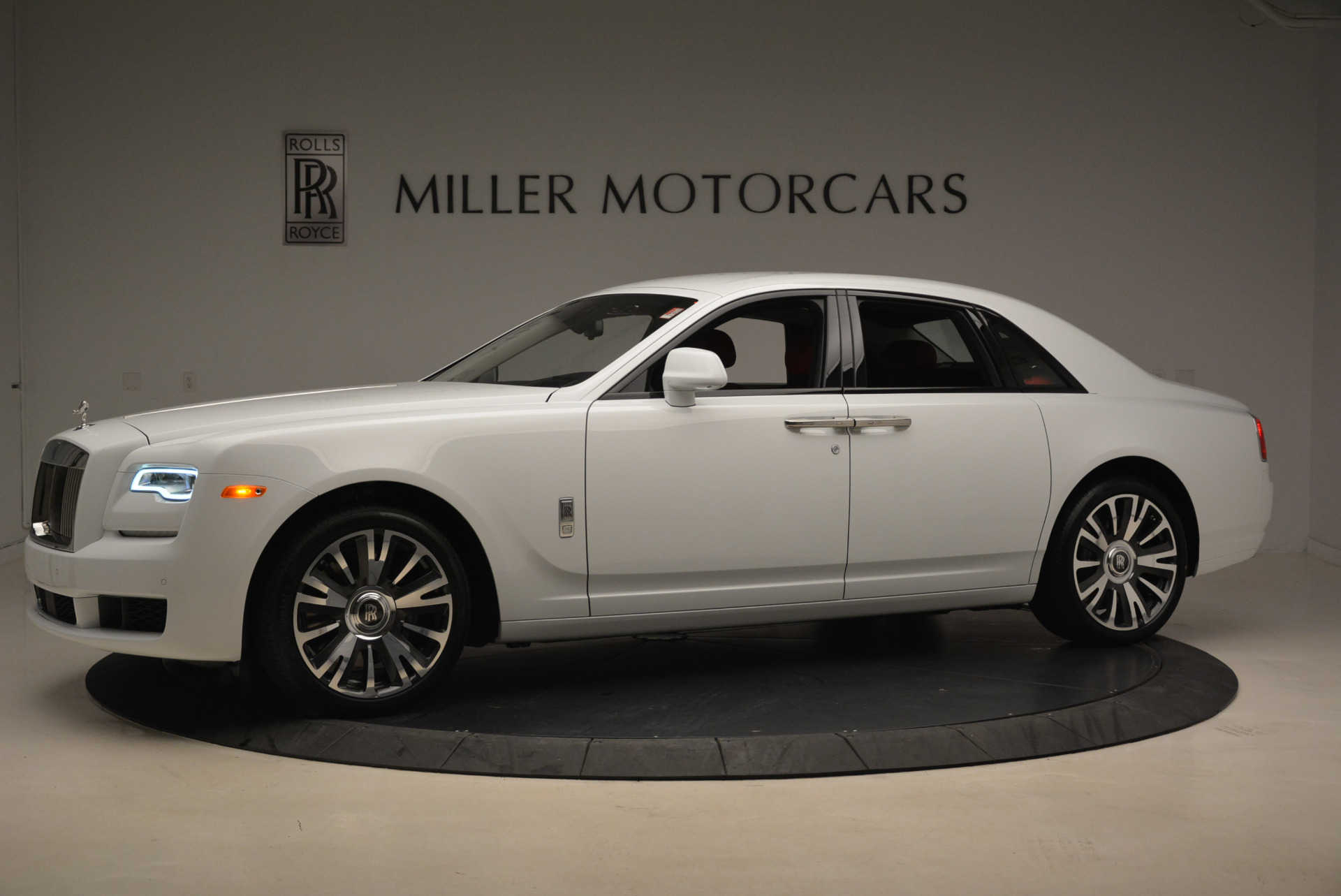 New 2018 Rolls-Royce Ghost  For Sale In Greenwich, CT 2034_p2