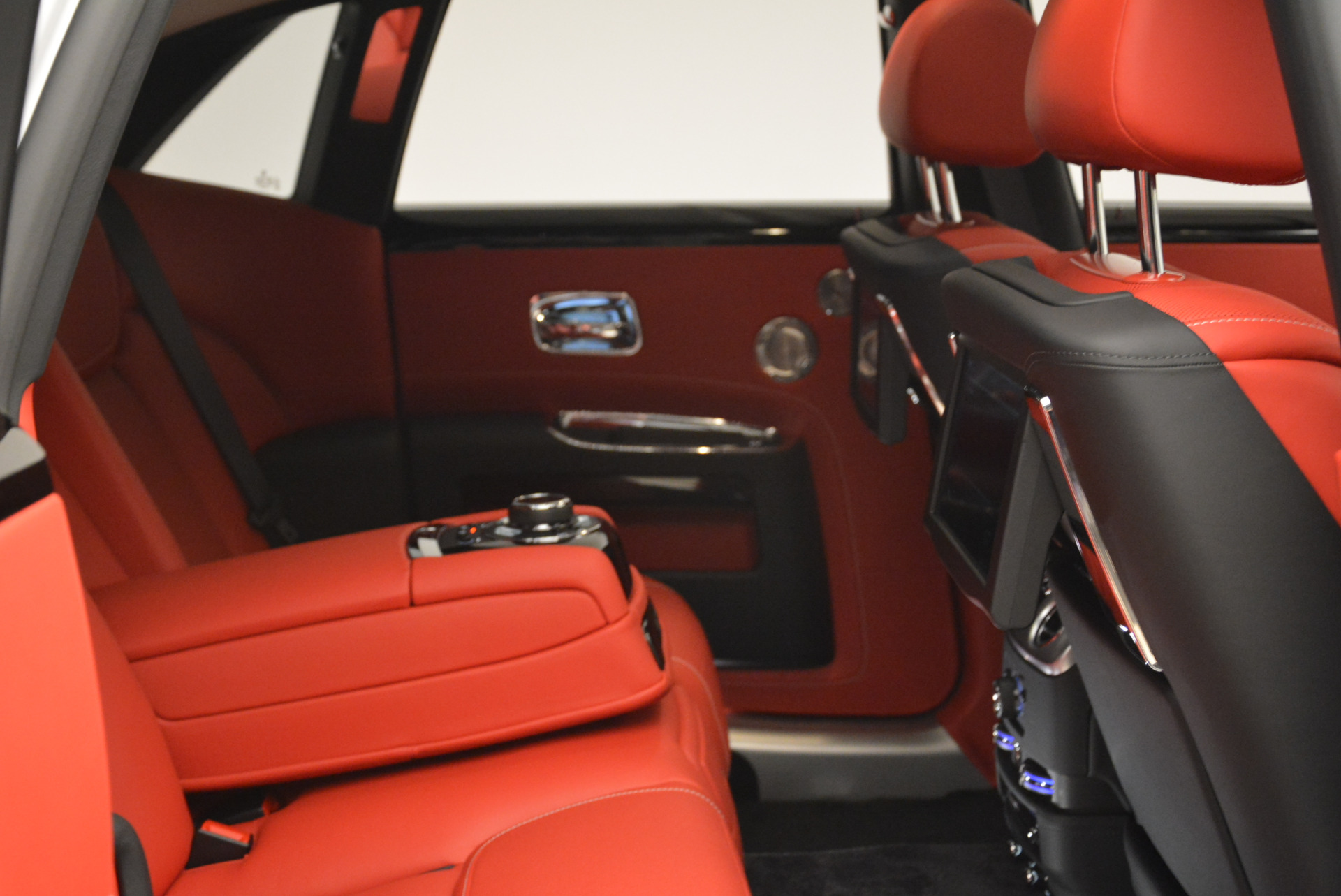 New 2018 Rolls-Royce Ghost  For Sale In Greenwich, CT 2034_p30