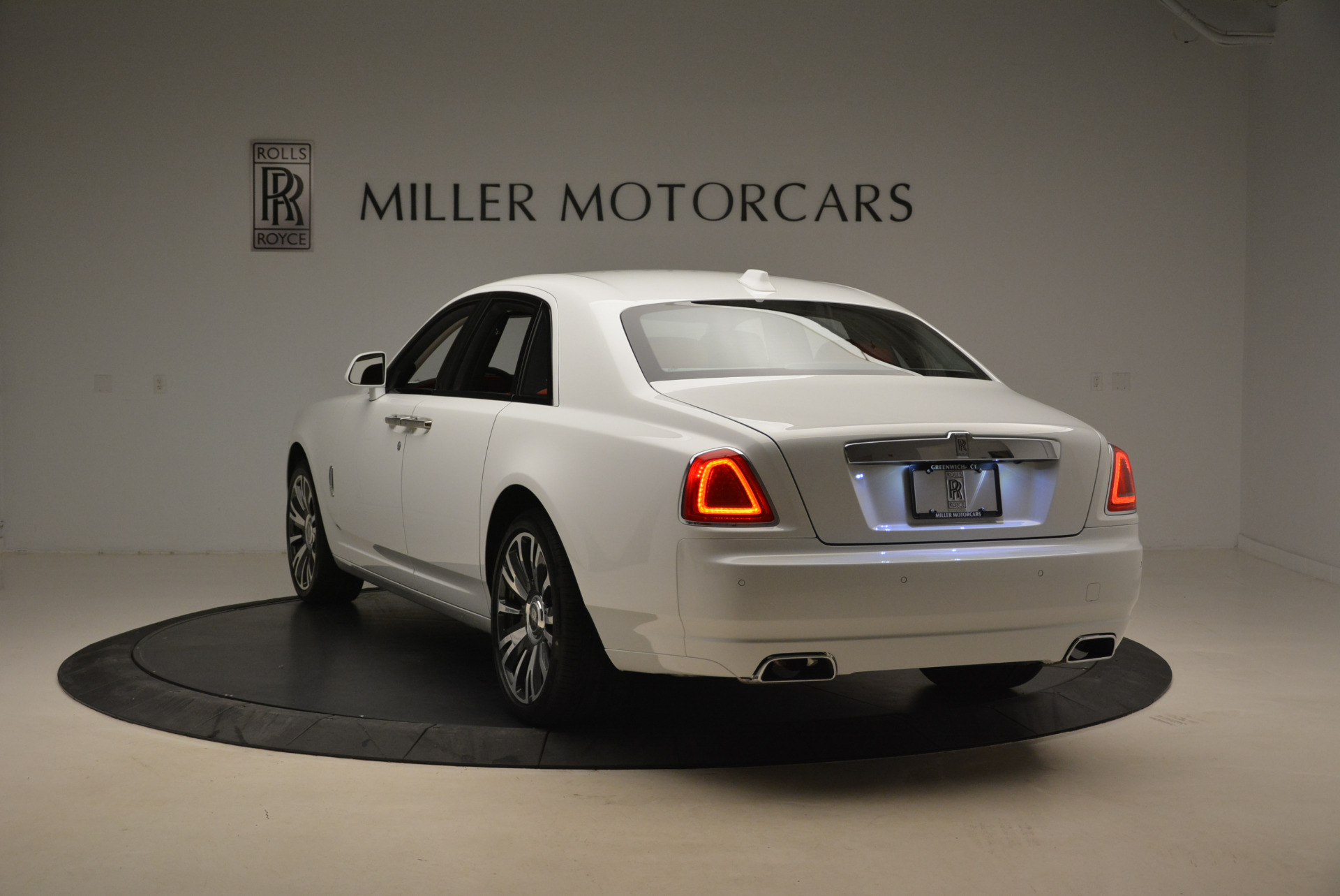 New 2018 Rolls-Royce Ghost  For Sale In Greenwich, CT 2034_p5