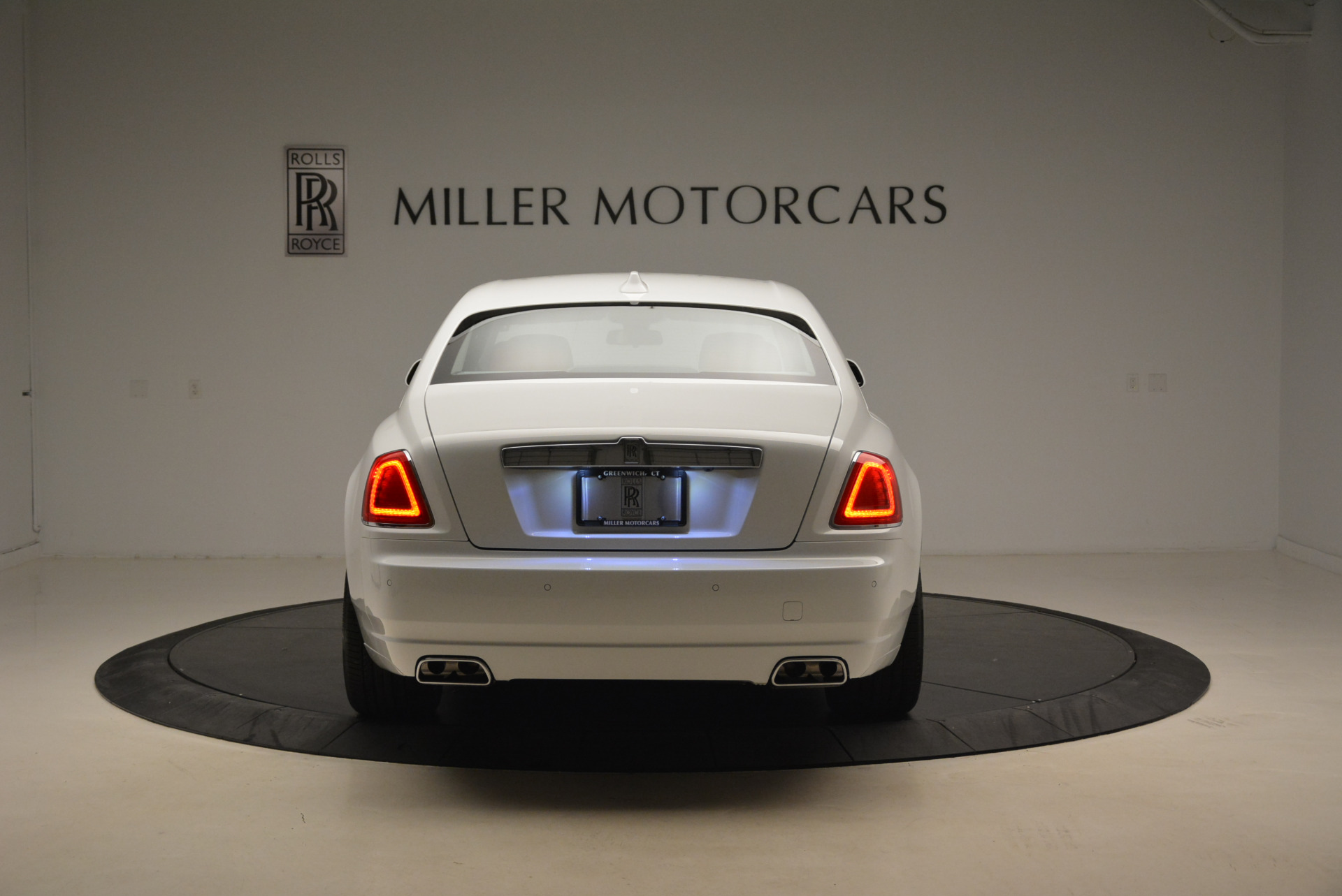 New 2018 Rolls-Royce Ghost  For Sale In Greenwich, CT 2034_p6