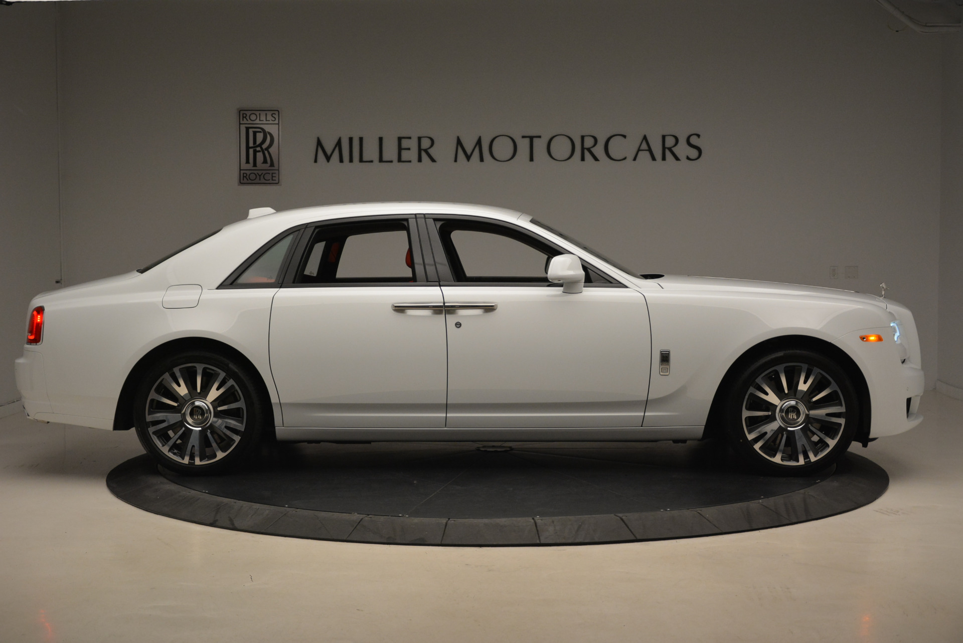 New 2018 Rolls-Royce Ghost  For Sale In Greenwich, CT 2034_p9