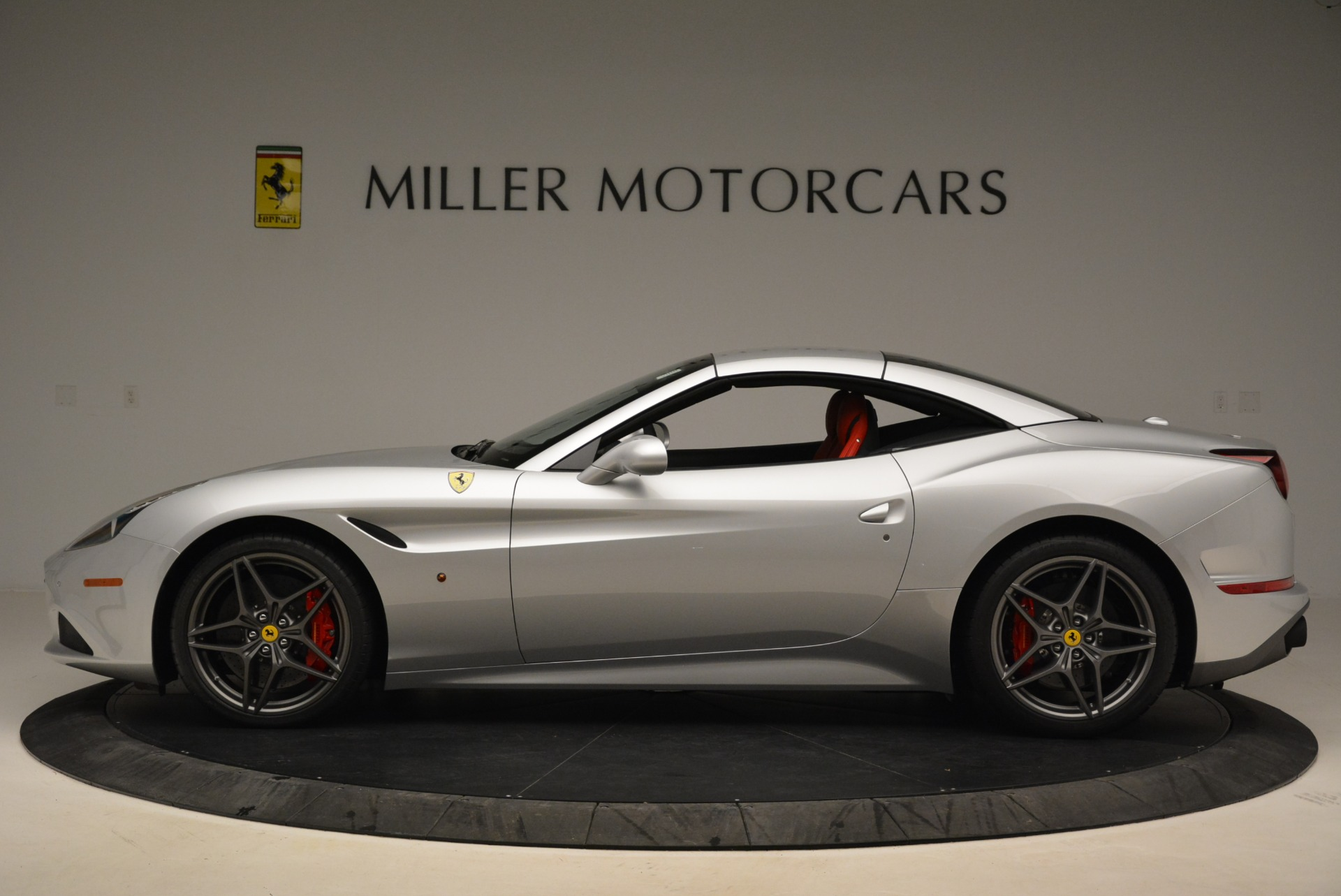 Used 2017 Ferrari California T Handling Speciale For Sale In Greenwich, CT 2037_p15
