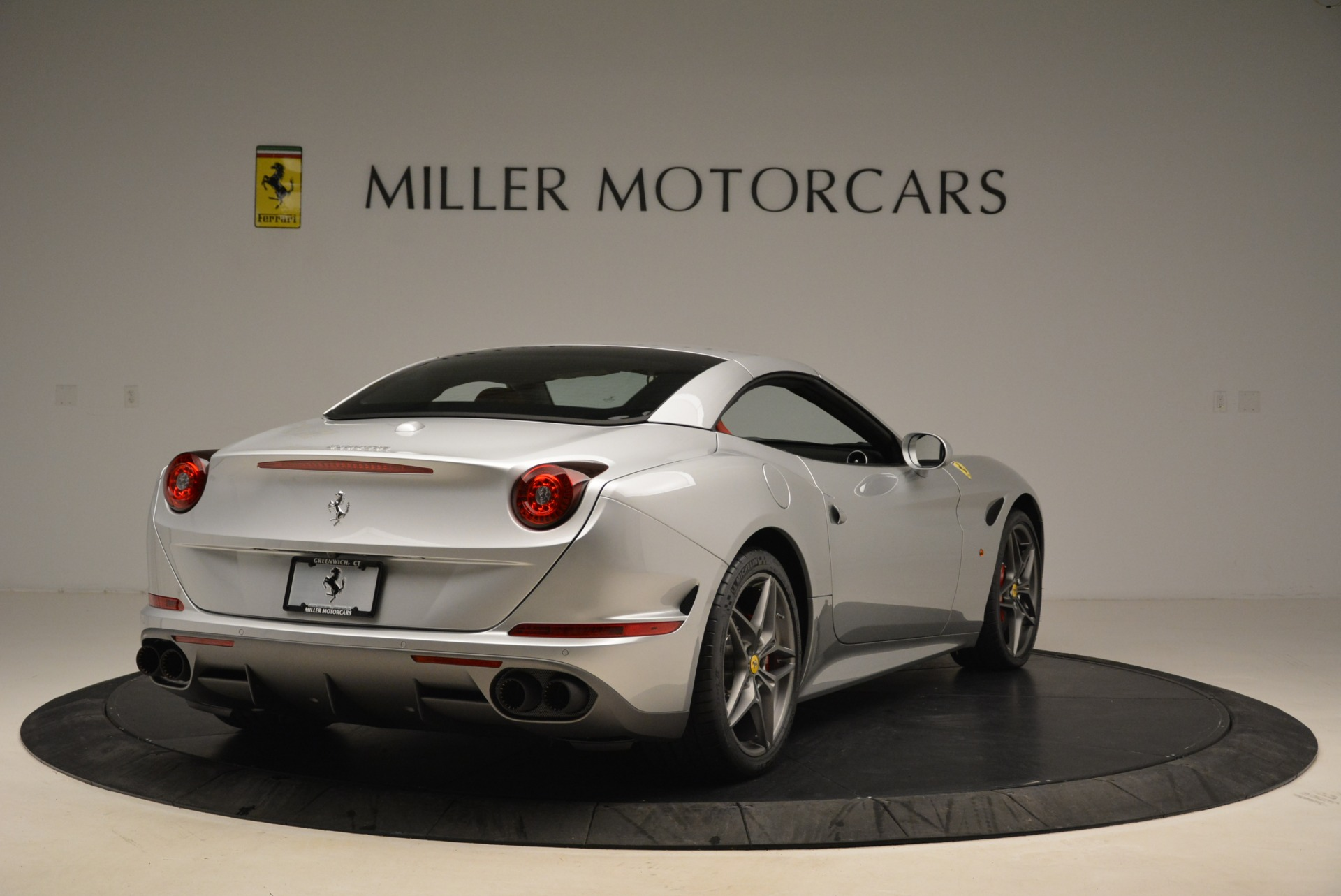 Used 2017 Ferrari California T Handling Speciale For Sale In Greenwich, CT 2037_p19