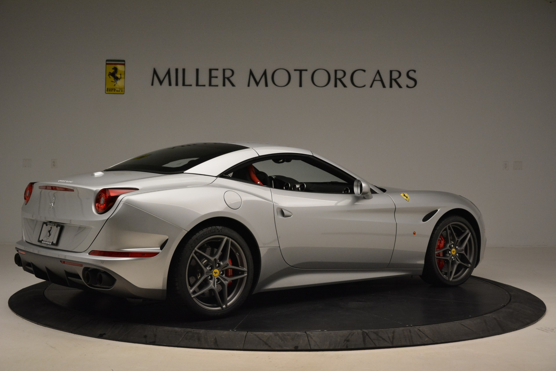Used 2017 Ferrari California T Handling Speciale For Sale In Greenwich, CT 2037_p20
