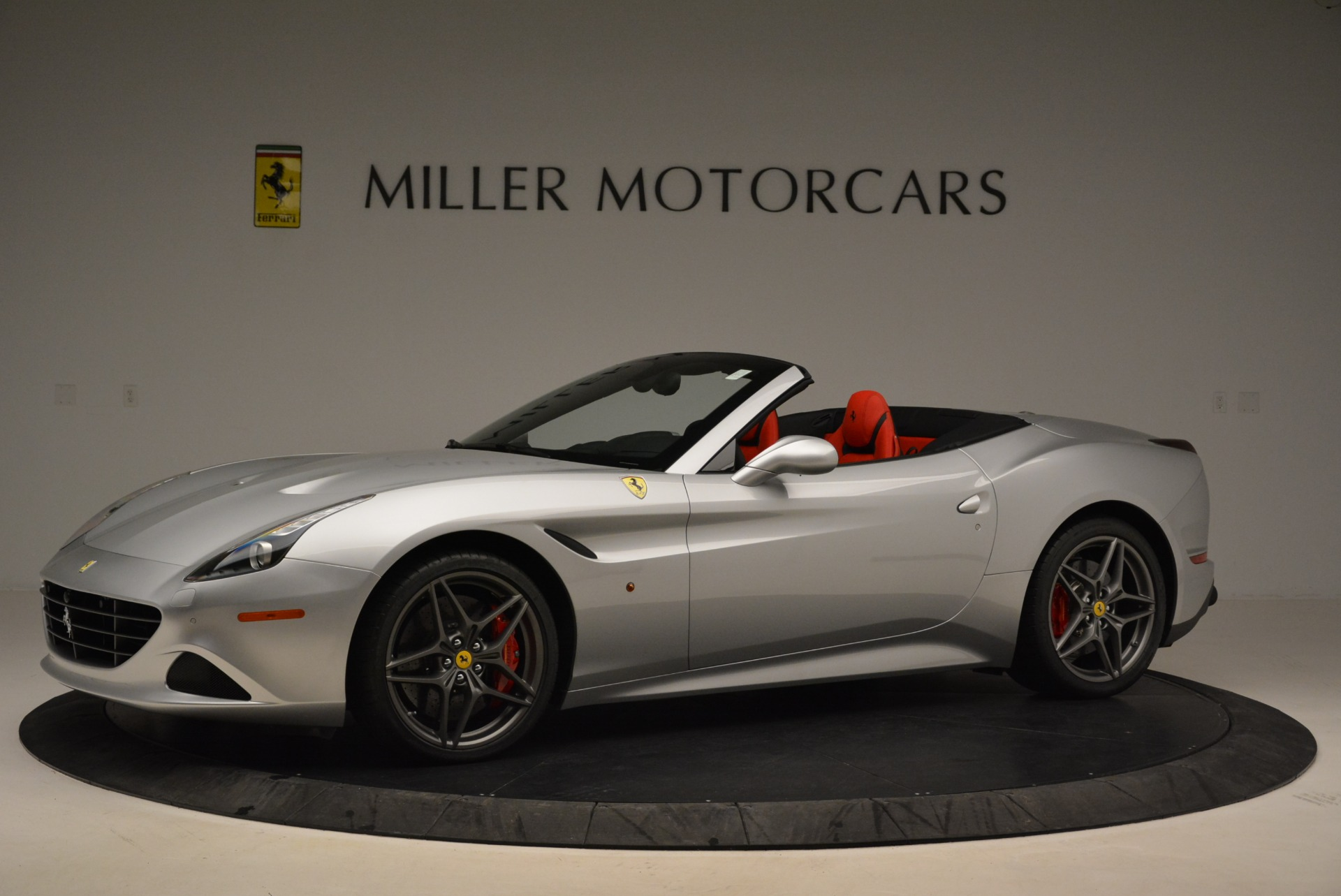 Used 2017 Ferrari California T Handling Speciale For Sale In Greenwich, CT 2037_p2