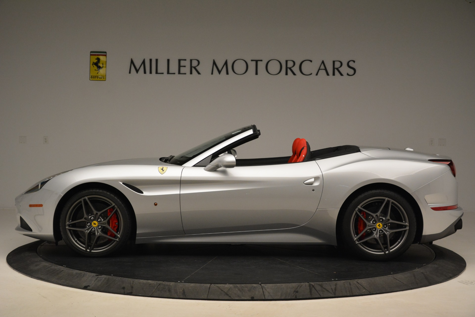 Used 2017 Ferrari California T Handling Speciale For Sale In Greenwich, CT 2037_p3