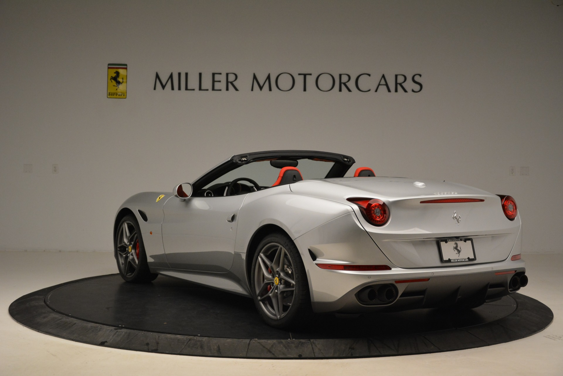 Used 2017 Ferrari California T Handling Speciale For Sale In Greenwich, CT 2037_p5