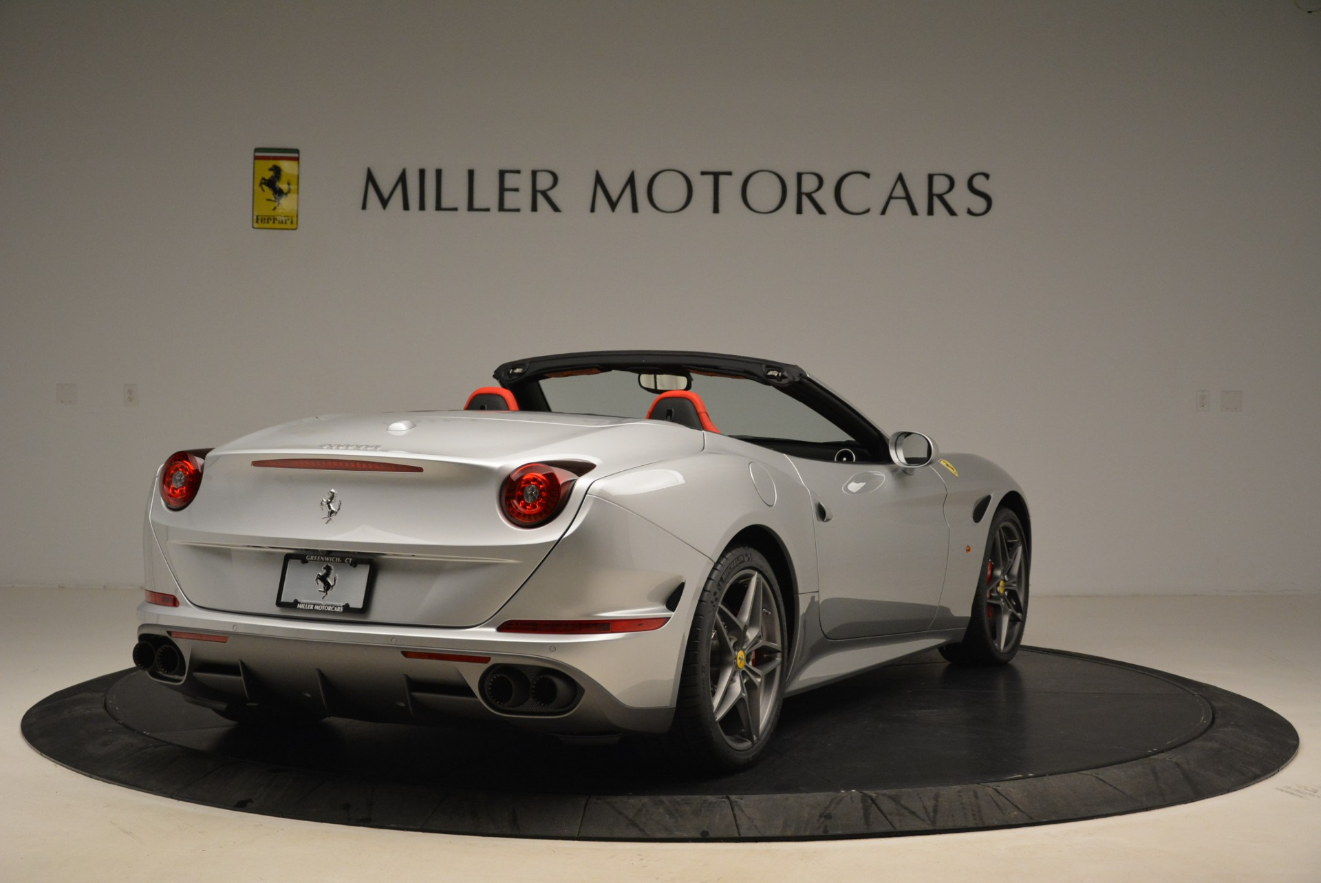 Used 2017 Ferrari California T Handling Speciale For Sale In Greenwich, CT 2037_p7