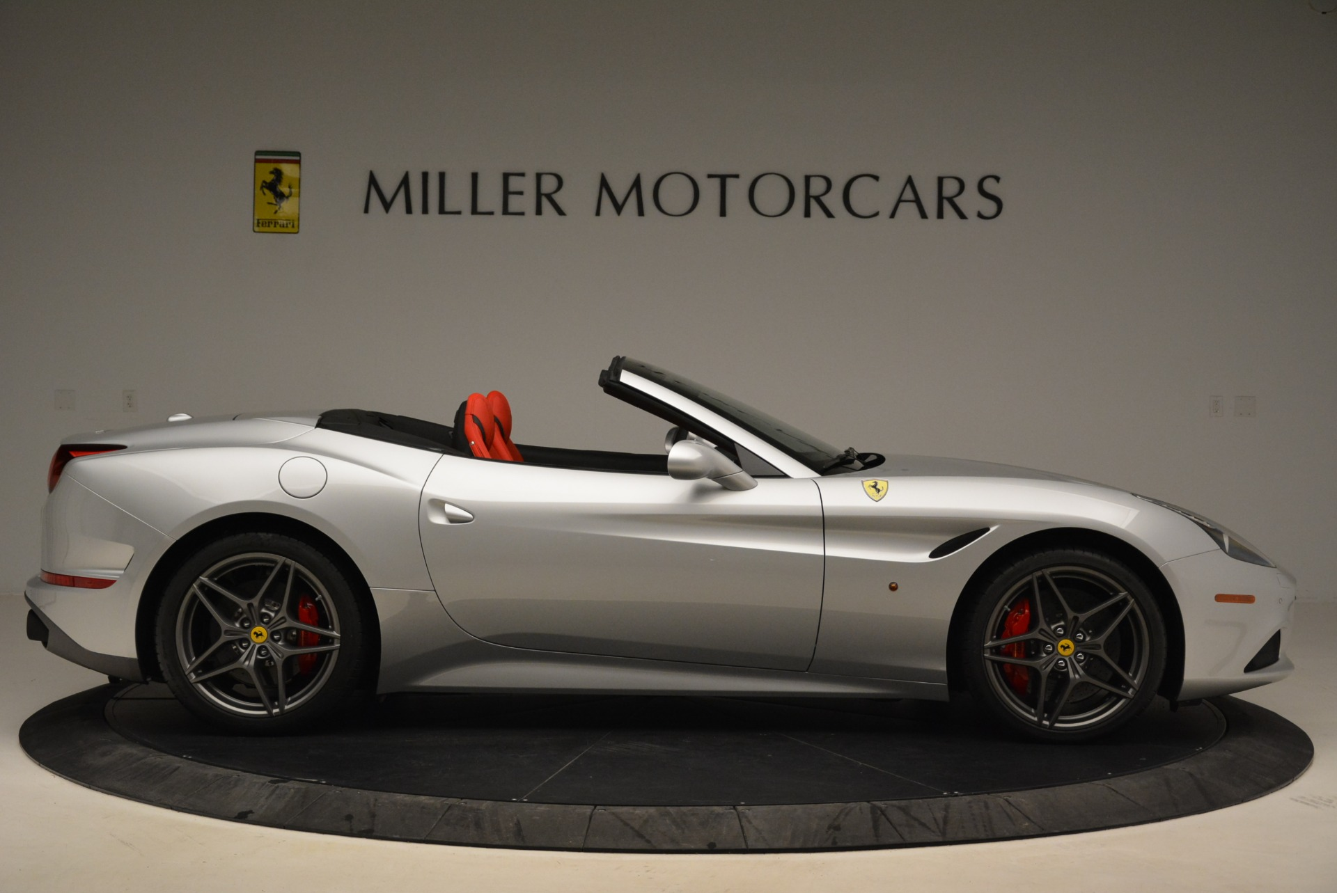 Used 2017 Ferrari California T Handling Speciale For Sale In Greenwich, CT 2037_p9