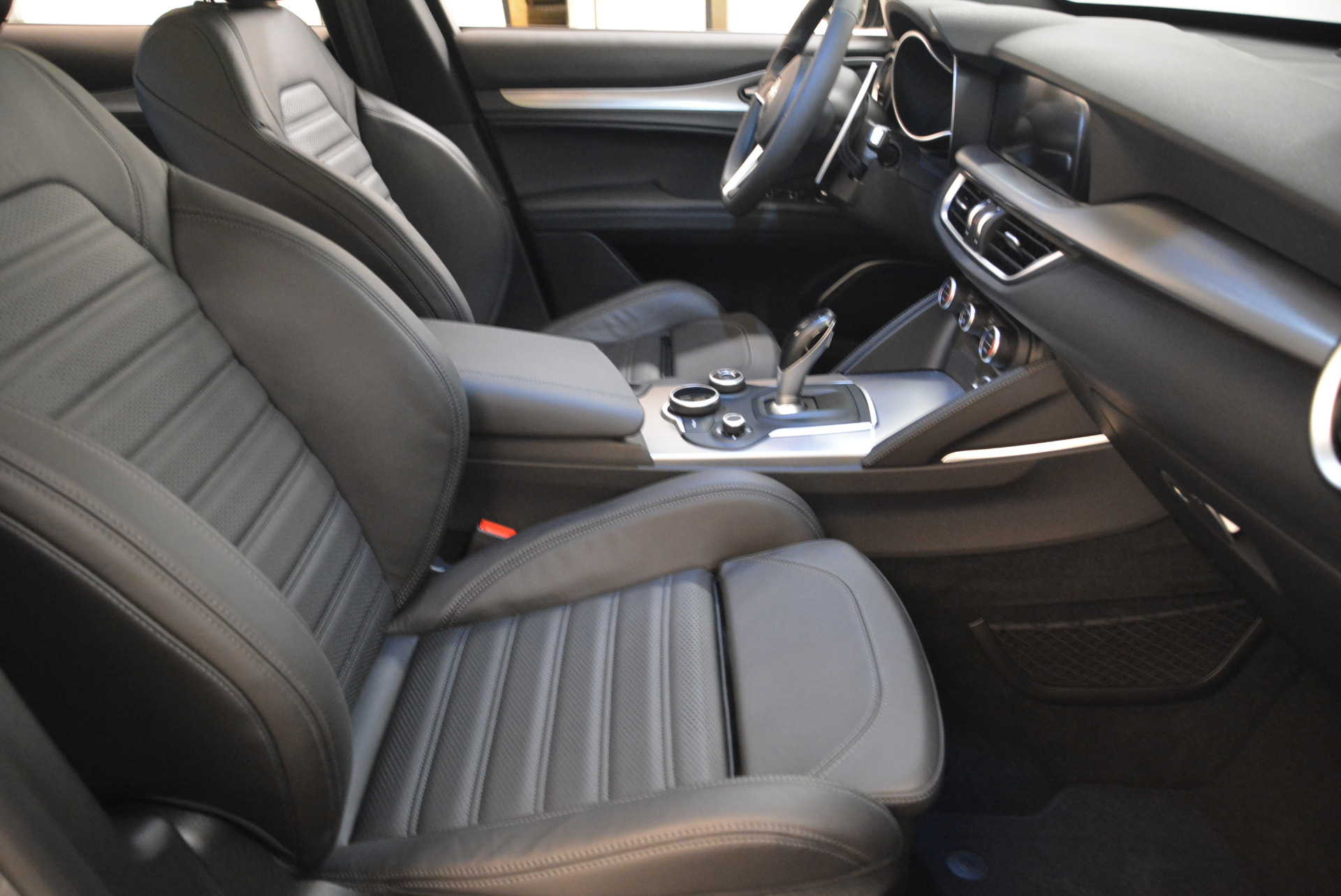 New 2018 Alfa Romeo Stelvio Ti Sport Q4 For Sale In Greenwich, CT 2040_p20