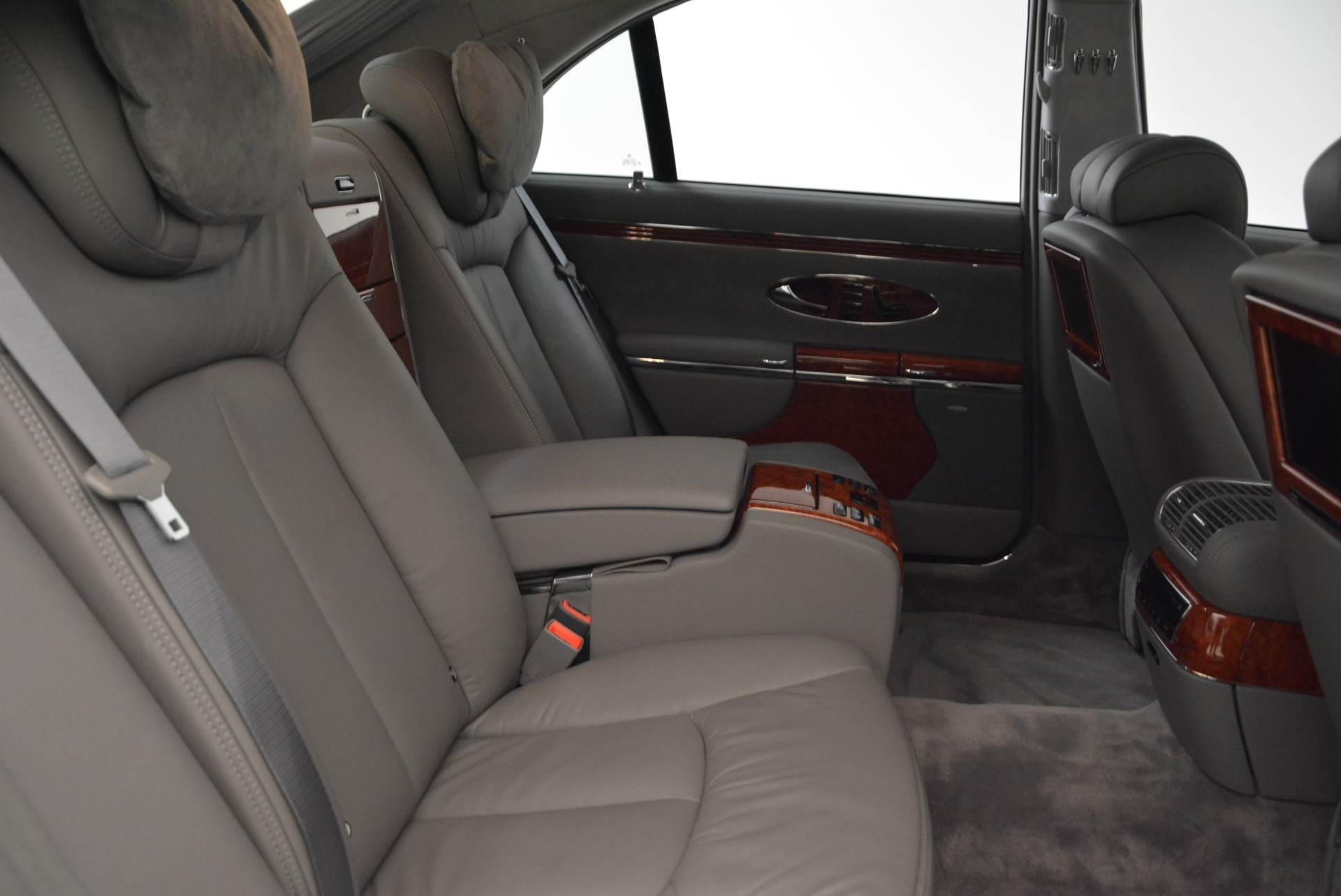Used 2004 Maybach 57  For Sale In Greenwich, CT 2045_p32