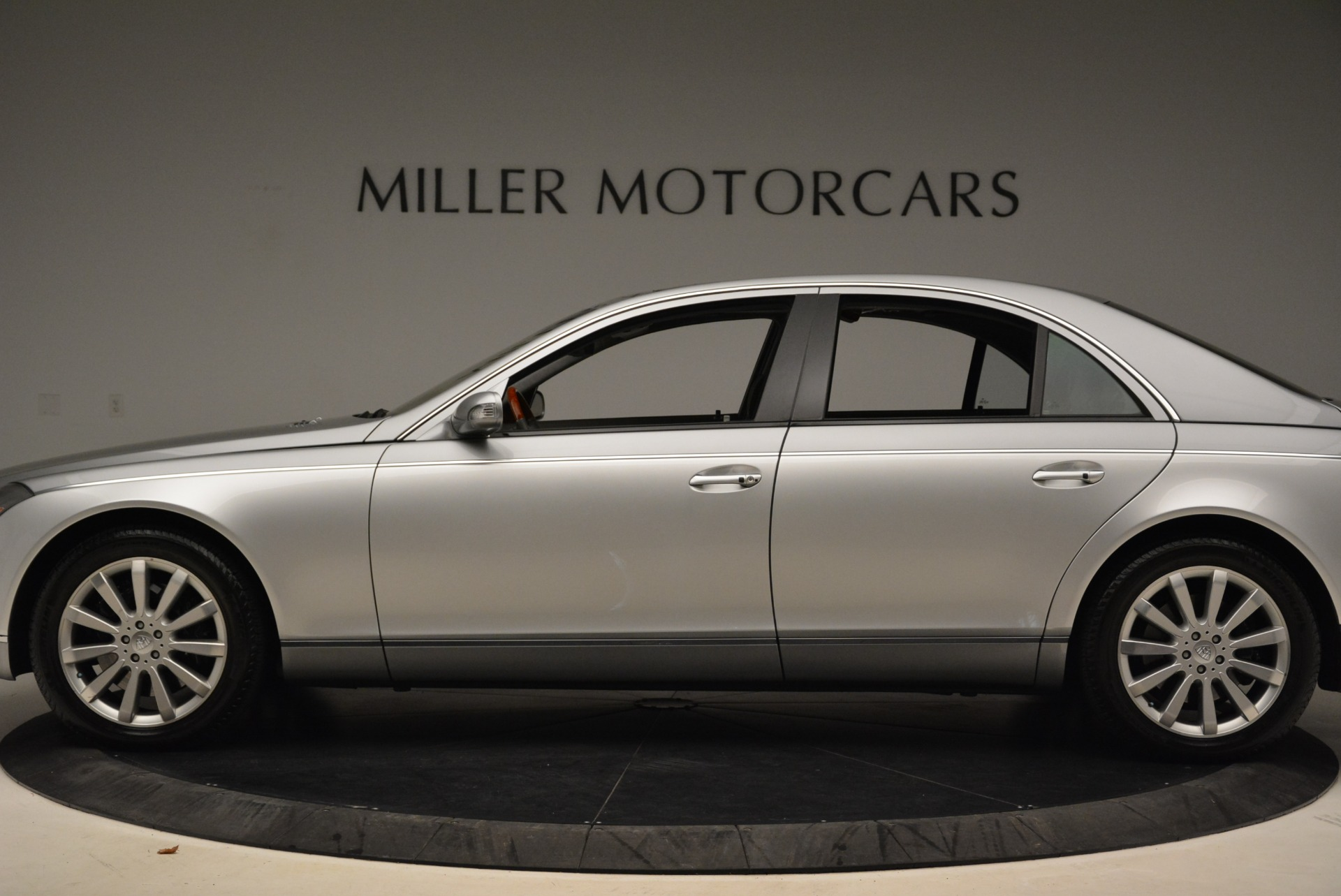 Used 2004 Maybach 57  For Sale In Greenwich, CT 2045_p3
