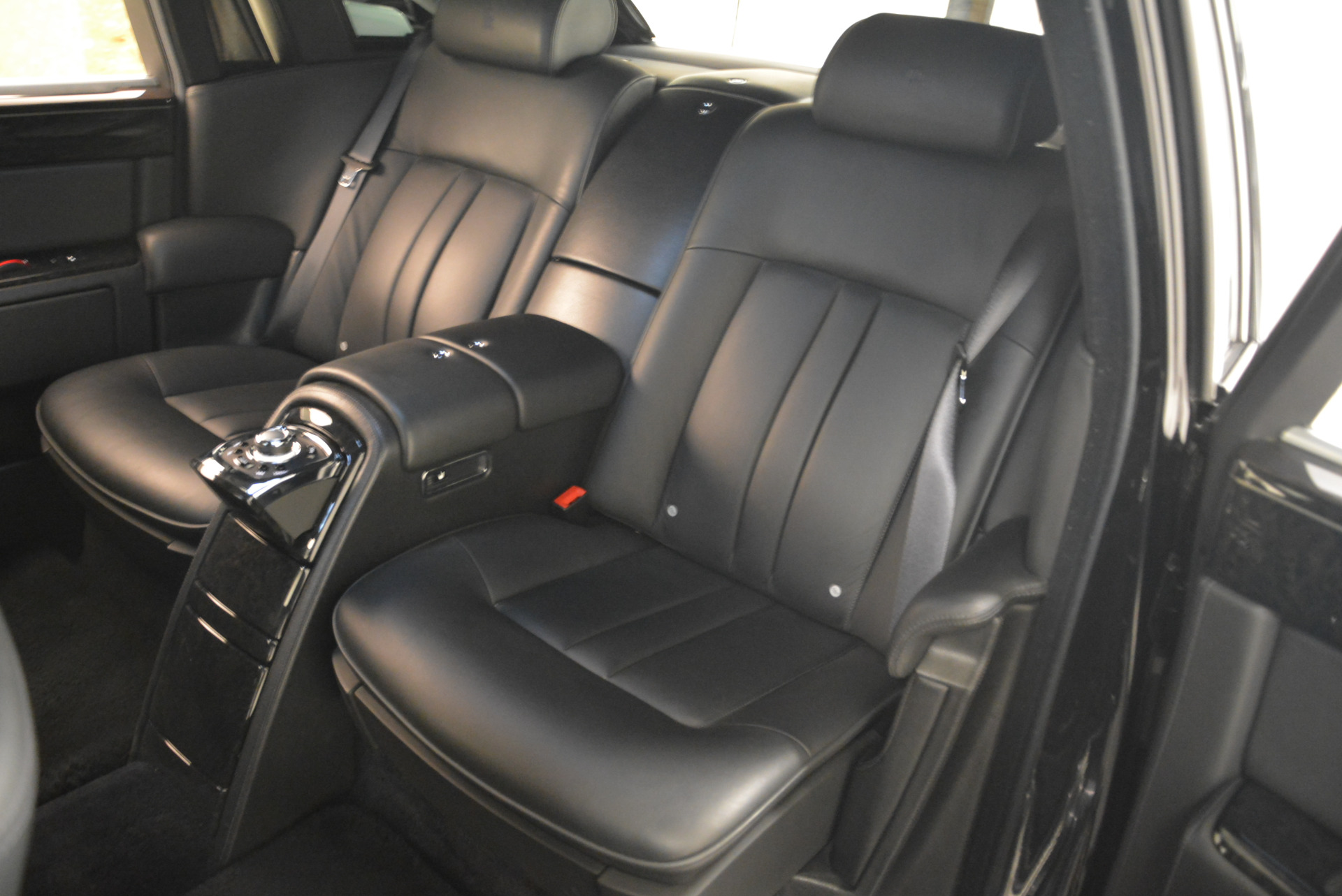 Used 2014 Rolls-Royce Phantom EWB For Sale In Greenwich, CT 2051_p29