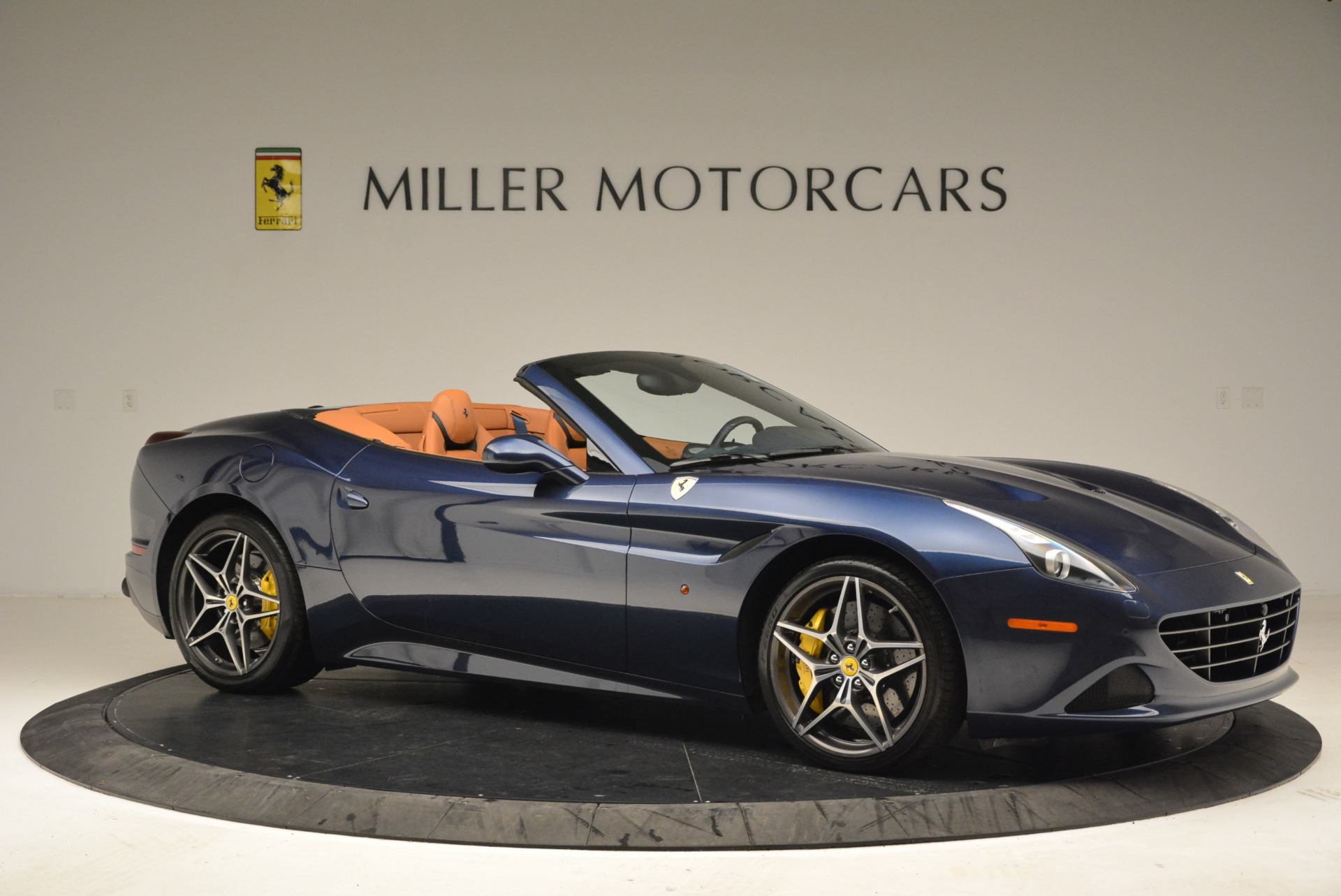 Used 2017 Ferrari California T Handling Speciale For Sale In Greenwich, CT 2052_p10