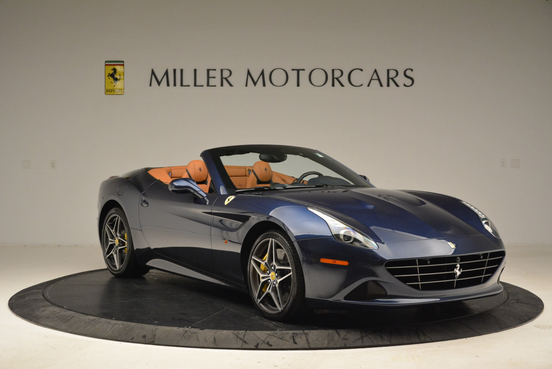 Used 2017 Ferrari California T Handling Speciale For Sale In Greenwich, CT 2052_p11