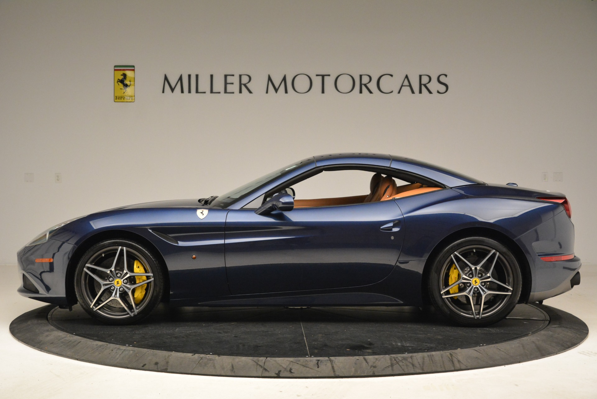 Used 2017 Ferrari California T Handling Speciale For Sale In Greenwich, CT 2052_p15