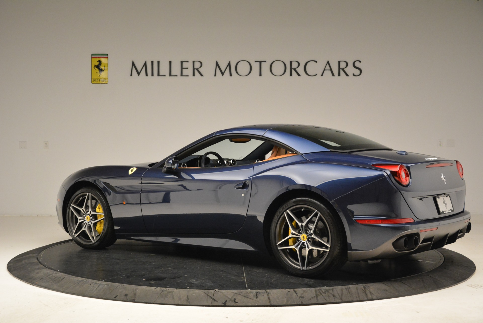 Used 2017 Ferrari California T Handling Speciale For Sale In Greenwich, CT 2052_p16