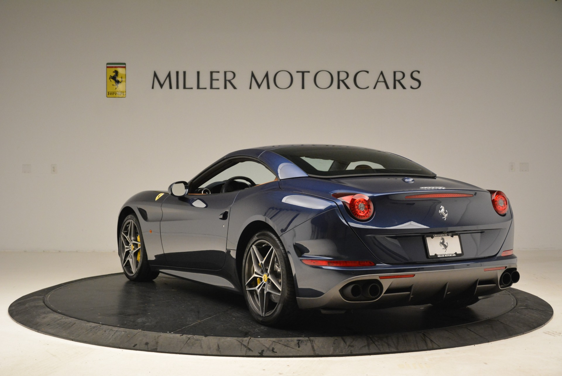 Used 2017 Ferrari California T Handling Speciale For Sale In Greenwich, CT 2052_p17