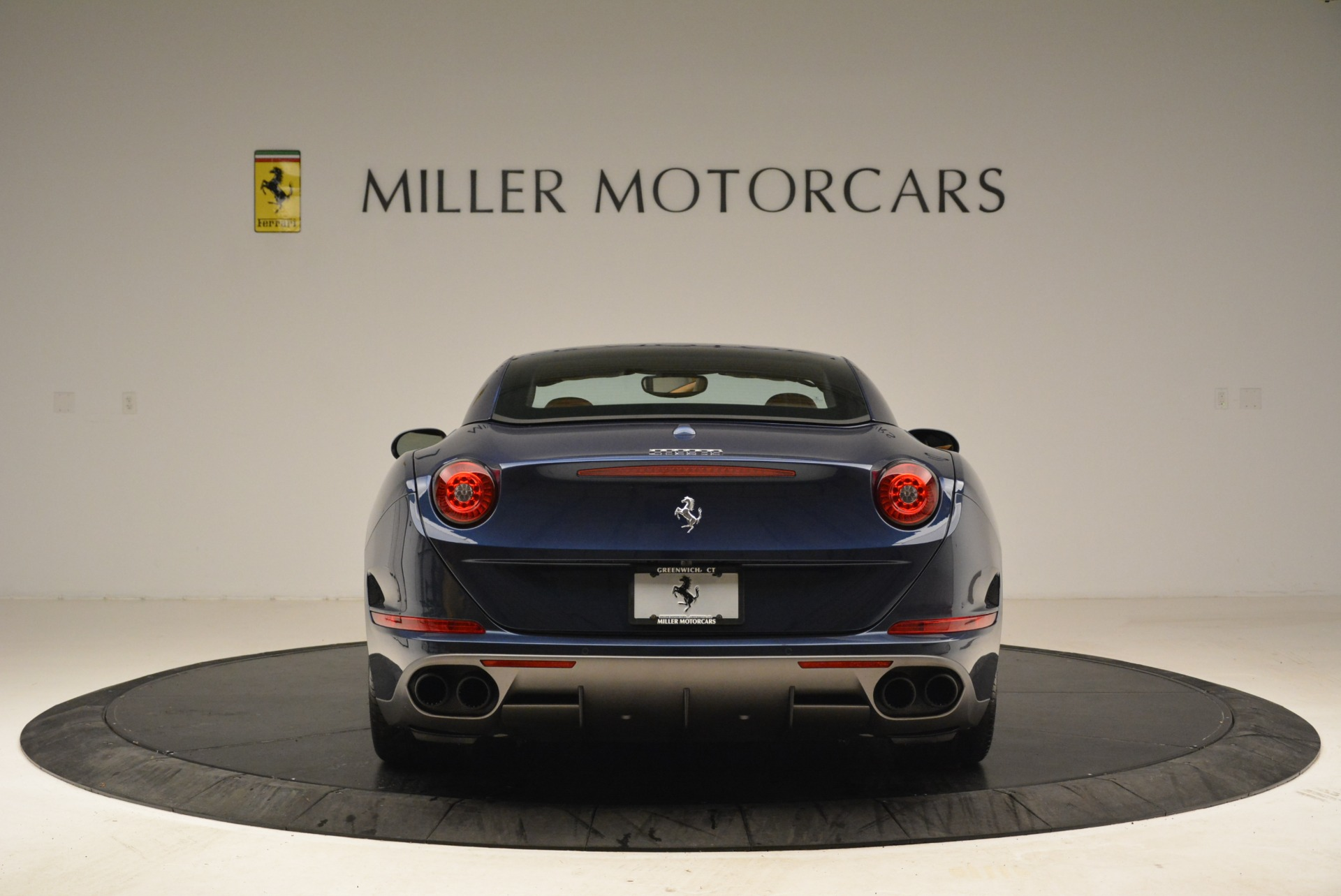 Used 2017 Ferrari California T Handling Speciale For Sale In Greenwich, CT 2052_p18