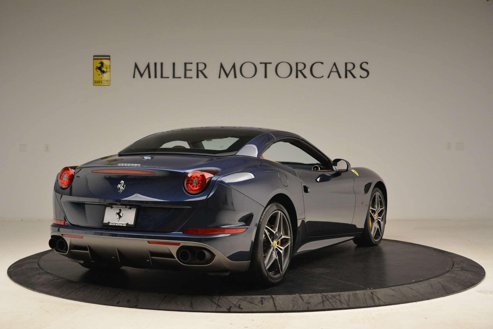 Used 2017 Ferrari California T Handling Speciale For Sale In Greenwich, CT 2052_p19