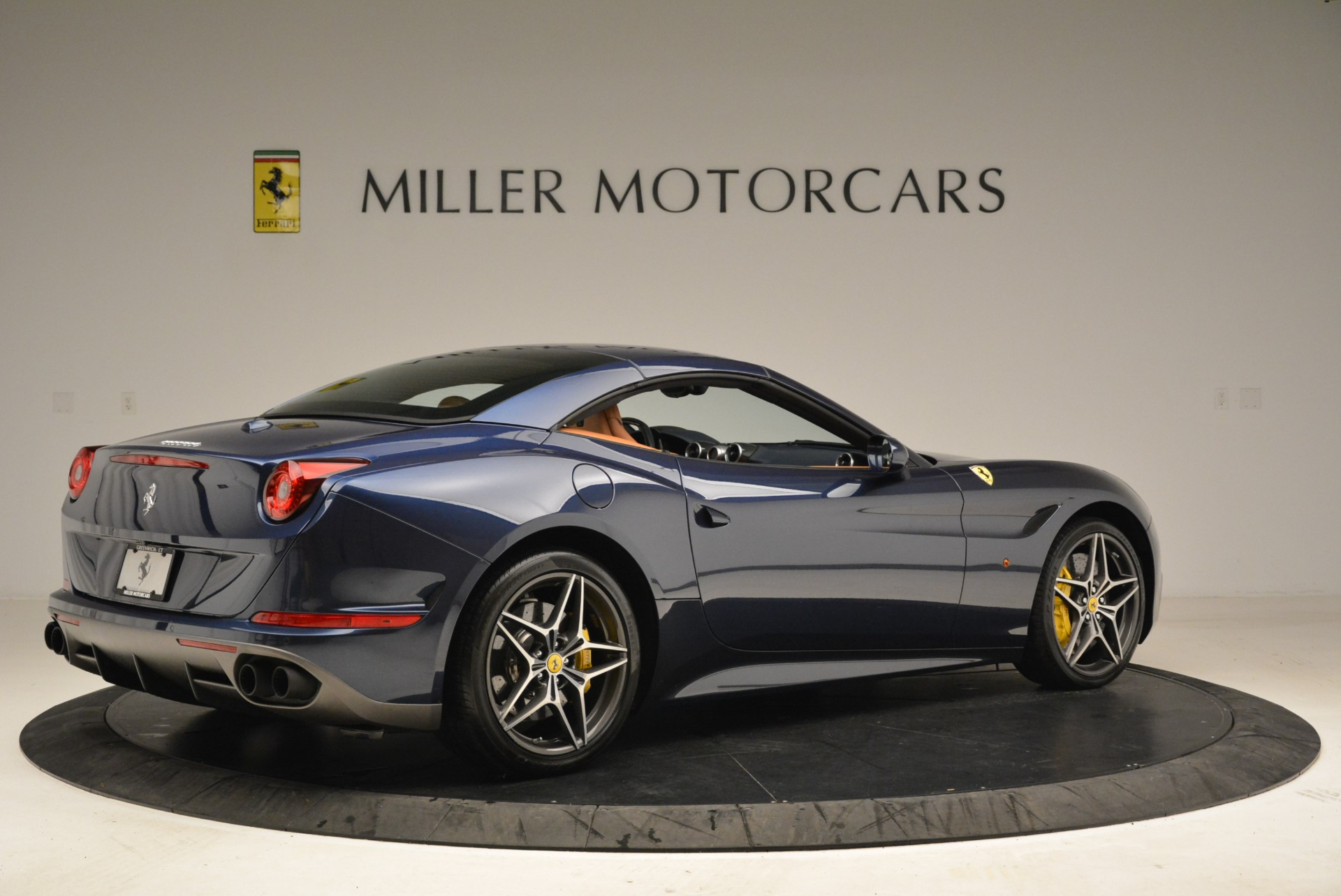 Used 2017 Ferrari California T Handling Speciale For Sale In Greenwich, CT 2052_p20