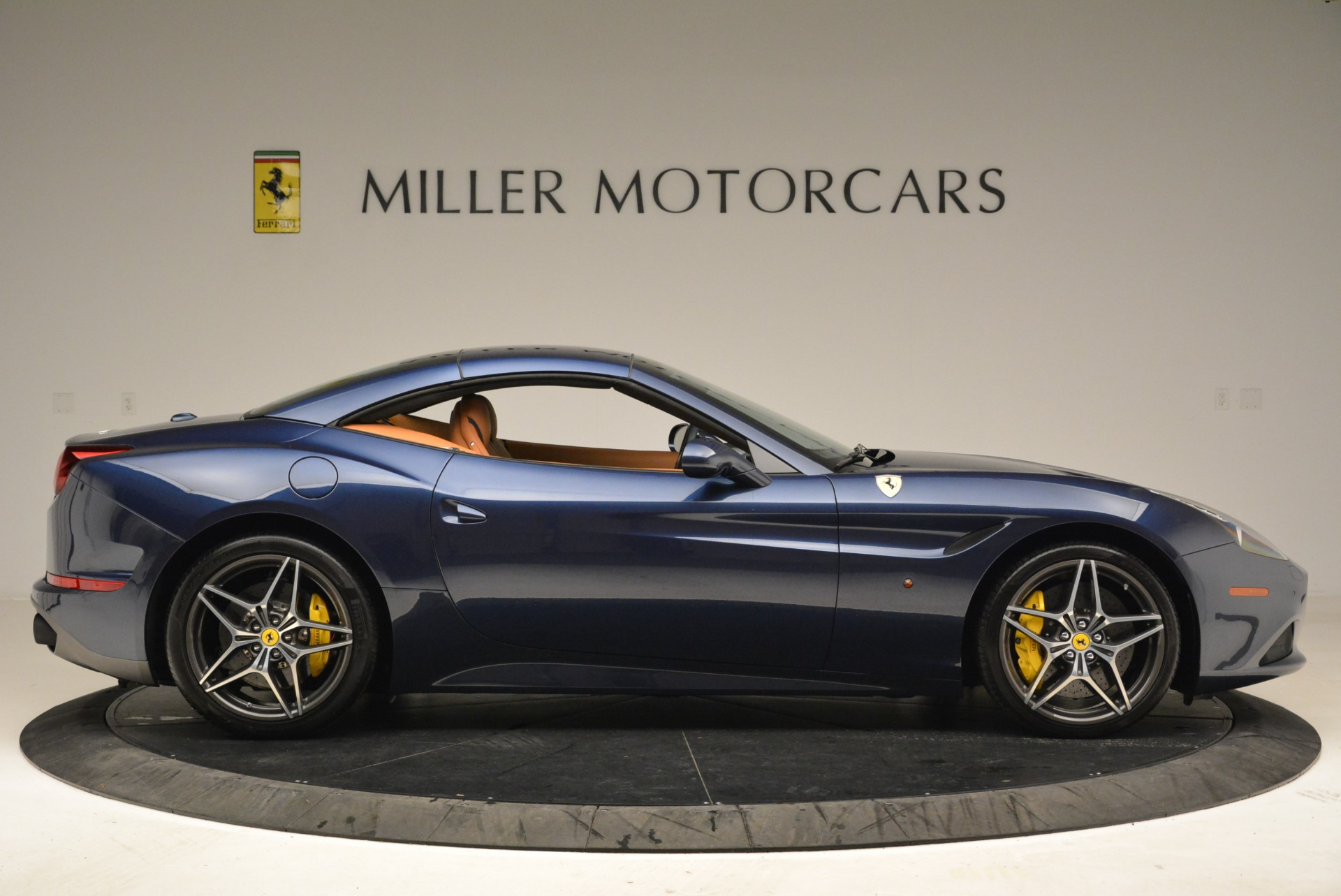 Used 2017 Ferrari California T Handling Speciale For Sale In Greenwich, CT 2052_p21