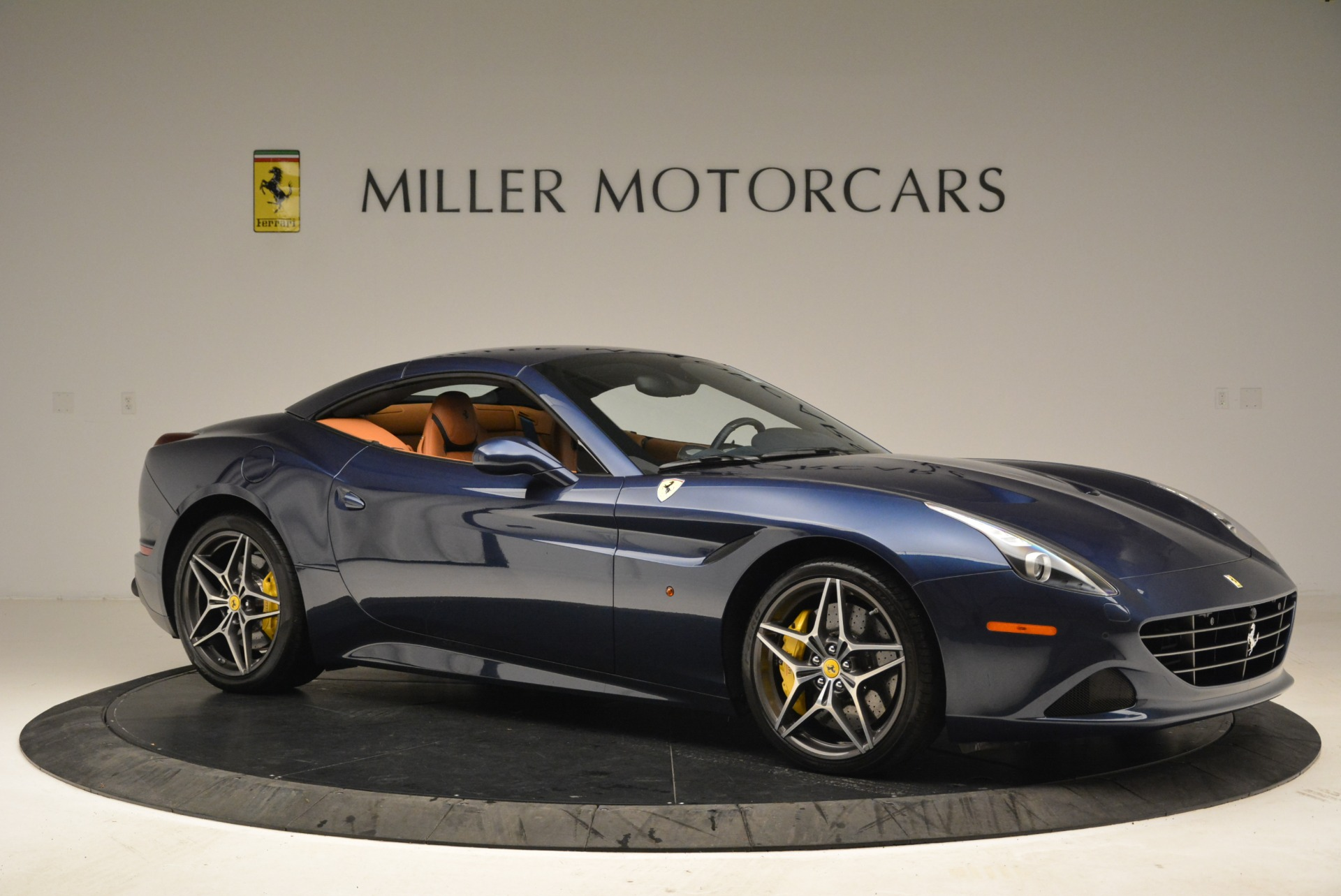 Used 2017 Ferrari California T Handling Speciale For Sale In Greenwich, CT 2052_p22
