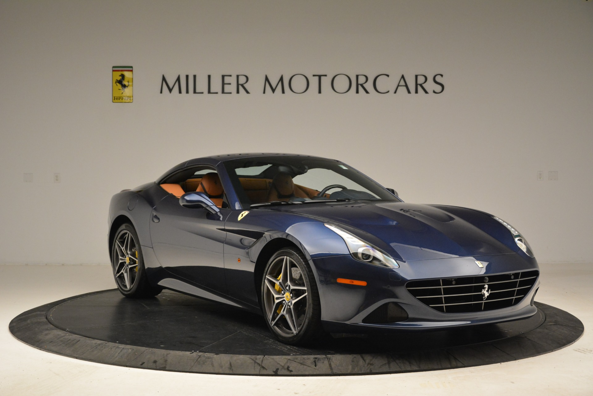 Used 2017 Ferrari California T Handling Speciale For Sale In Greenwich, CT 2052_p23