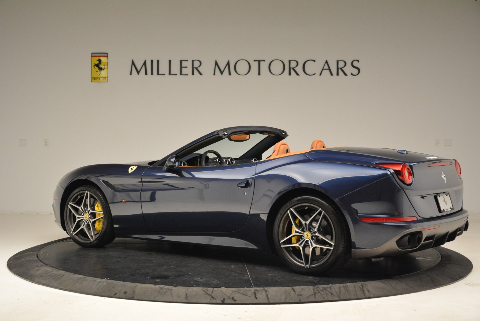 Used 2017 Ferrari California T Handling Speciale For Sale In Greenwich, CT 2052_p4