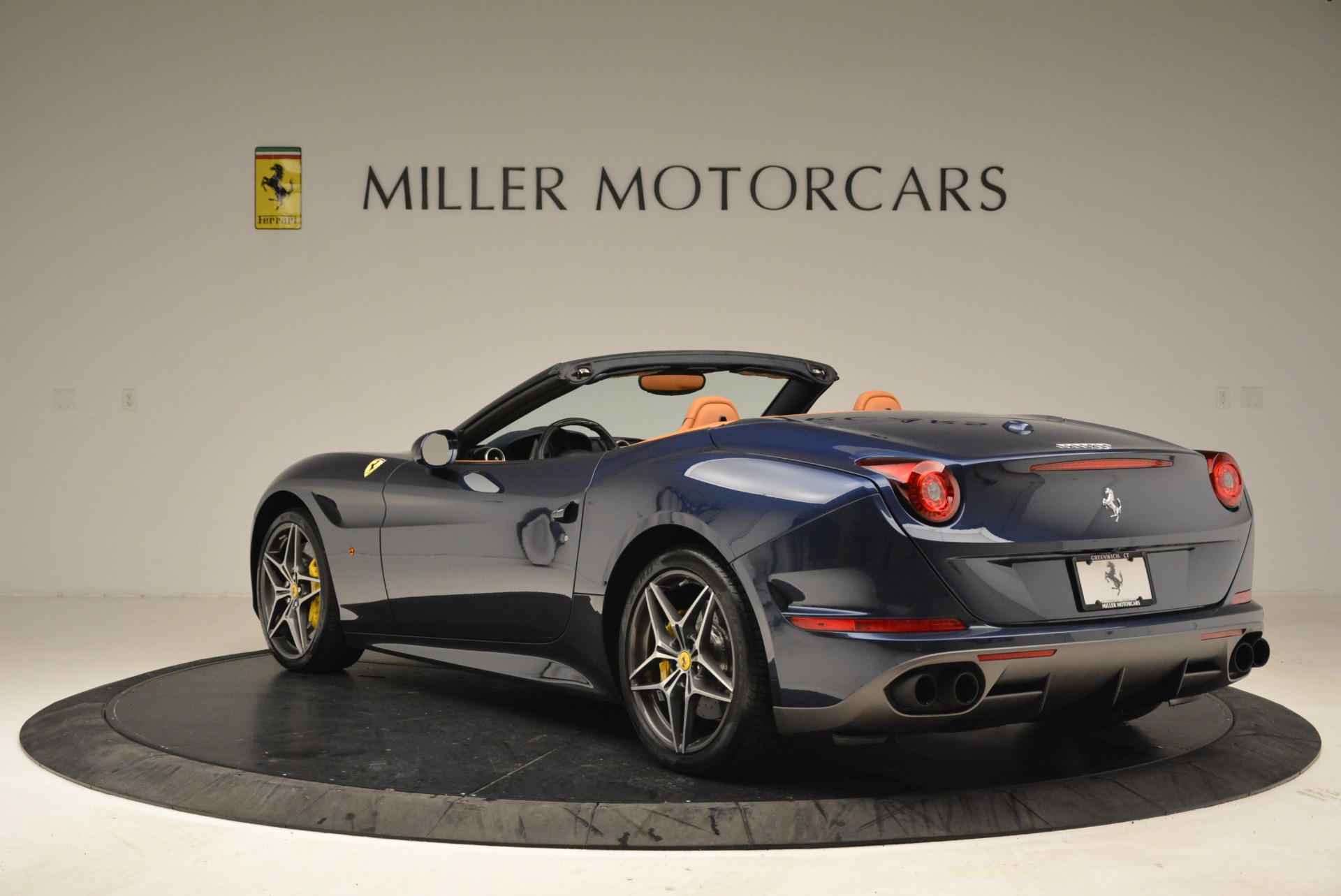 Used 2017 Ferrari California T Handling Speciale For Sale In Greenwich, CT 2052_p5