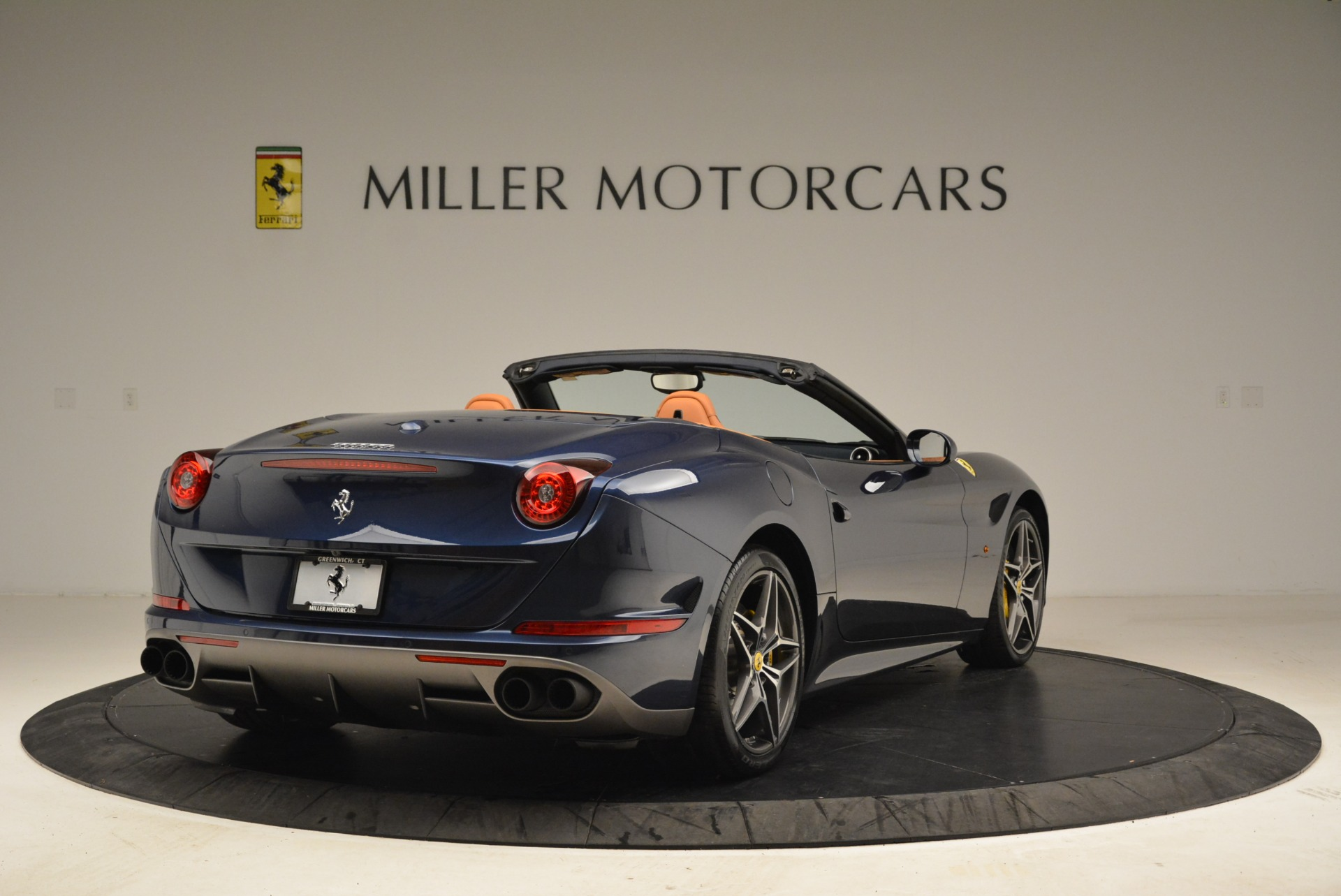 Used 2017 Ferrari California T Handling Speciale For Sale In Greenwich, CT 2052_p7