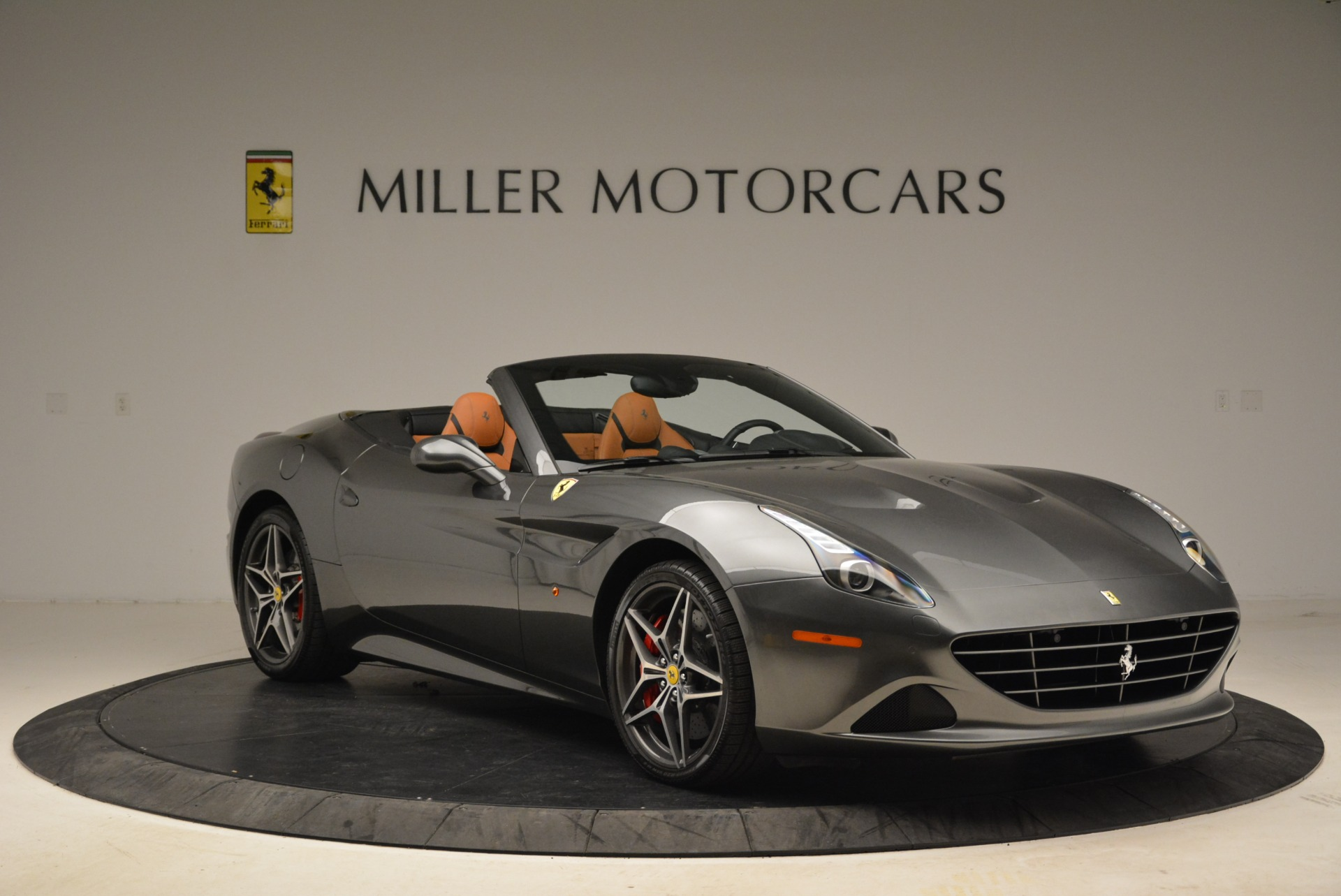 Used 2017 Ferrari California T Handling Speciale For Sale In Greenwich, CT 2054_p11