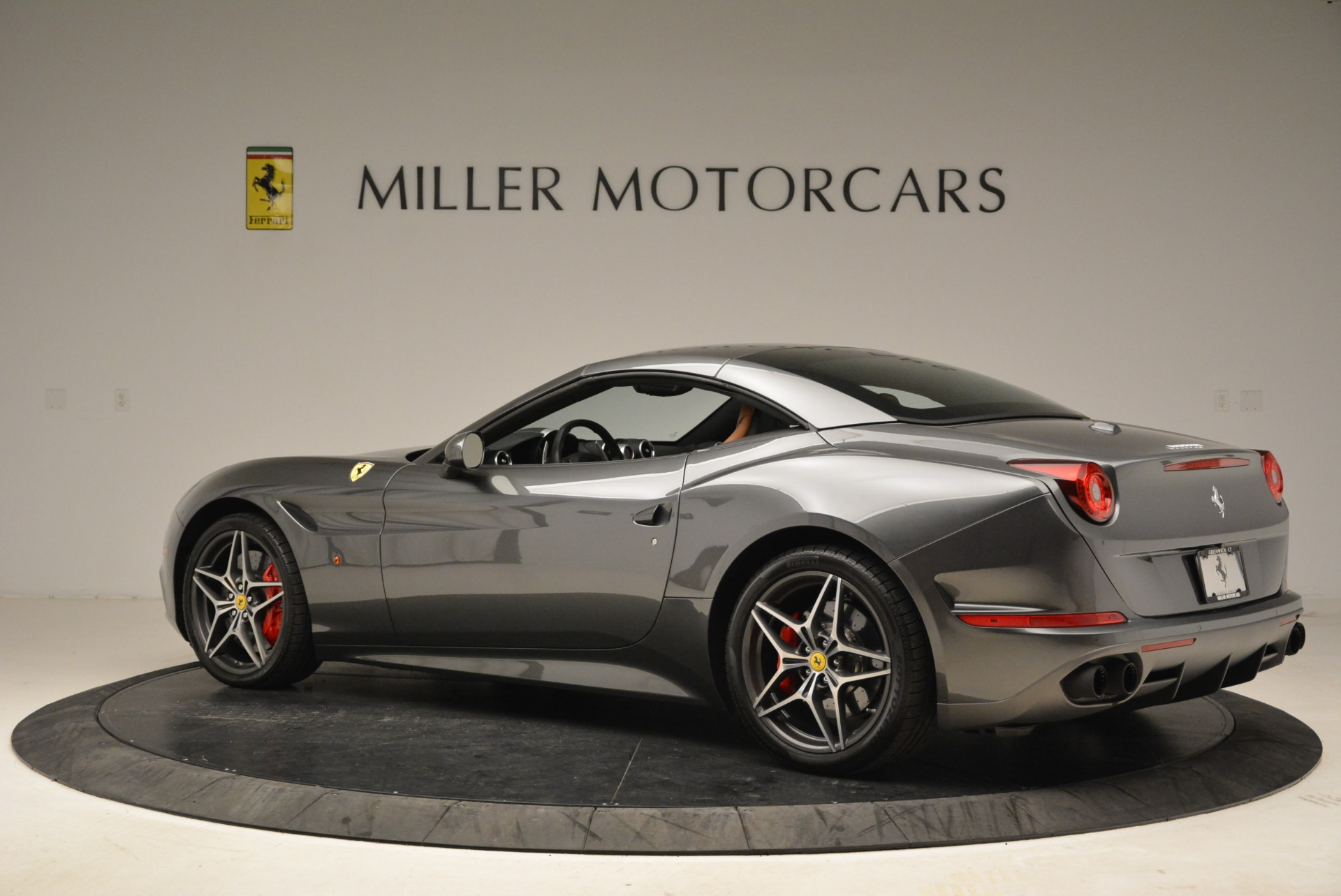 Used 2017 Ferrari California T Handling Speciale For Sale In Greenwich, CT 2054_p16