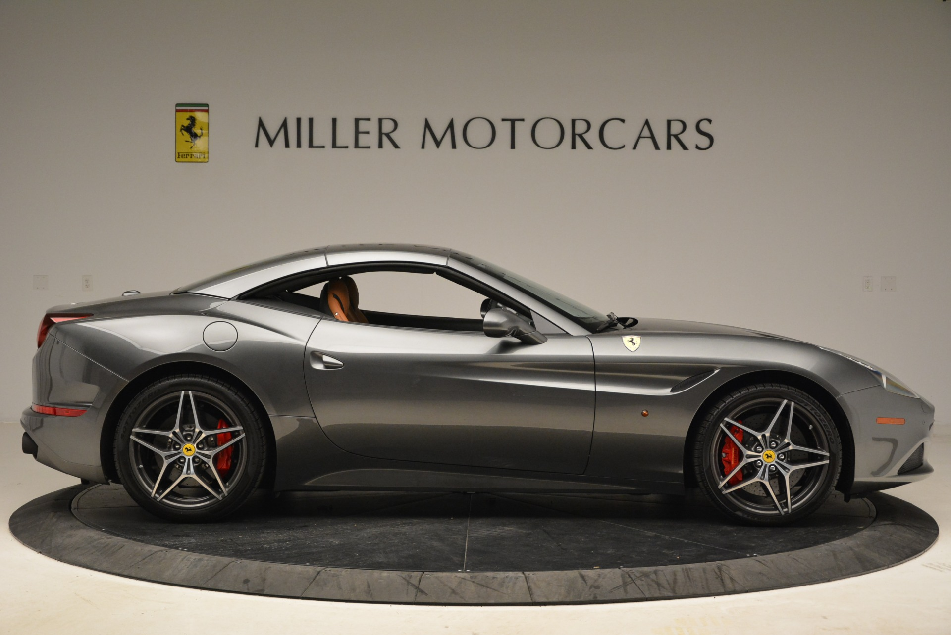 Used 2017 Ferrari California T Handling Speciale For Sale In Greenwich, CT 2054_p21