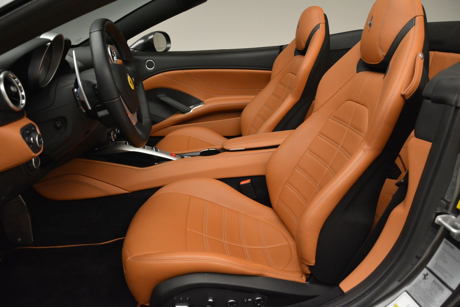 Used 2017 Ferrari California T Handling Speciale For Sale In Greenwich, CT 2054_p26
