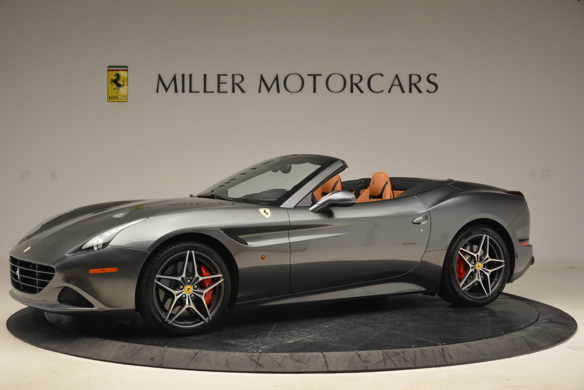 Used 2017 Ferrari California T Handling Speciale For Sale In Greenwich, CT 2054_p2