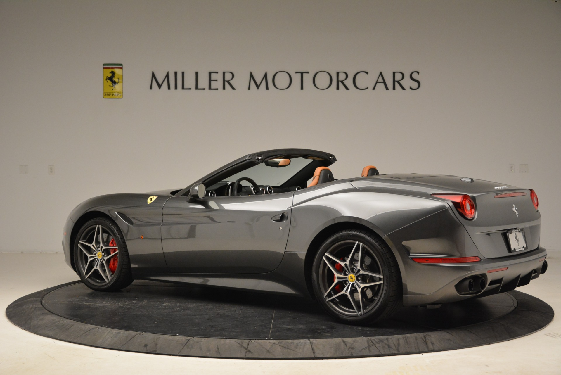 Used 2017 Ferrari California T Handling Speciale For Sale In Greenwich, CT 2054_p4