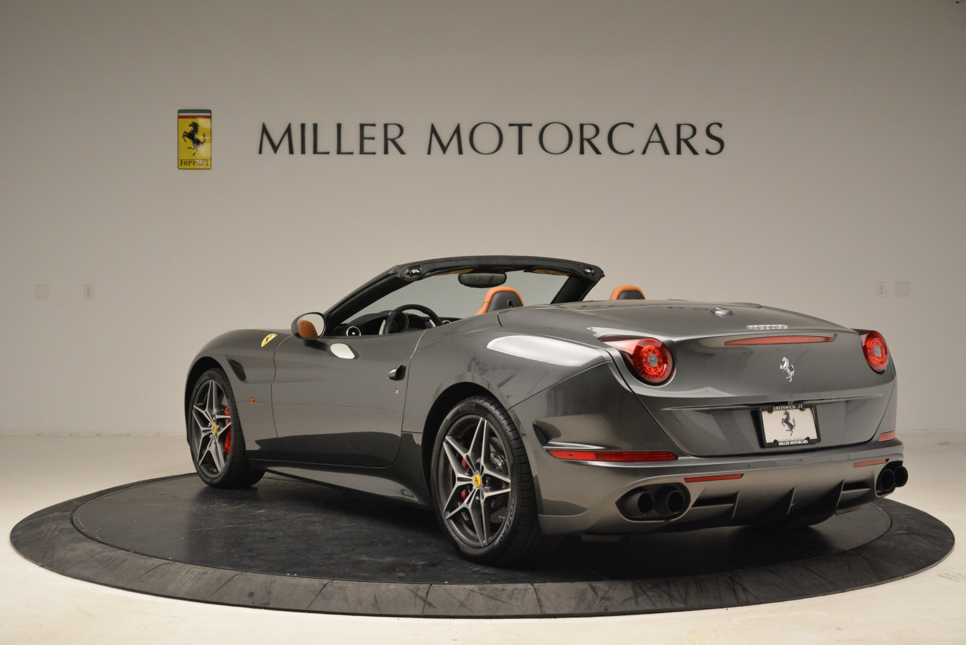 Used 2017 Ferrari California T Handling Speciale For Sale In Greenwich, CT 2054_p5
