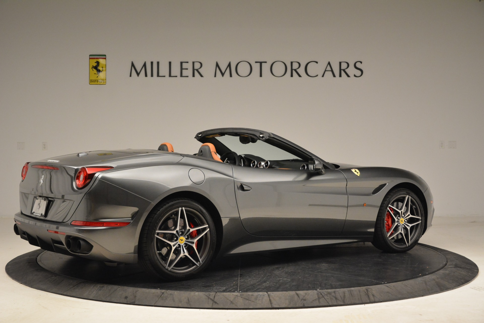 Used 2017 Ferrari California T Handling Speciale For Sale In Greenwich, CT 2054_p8