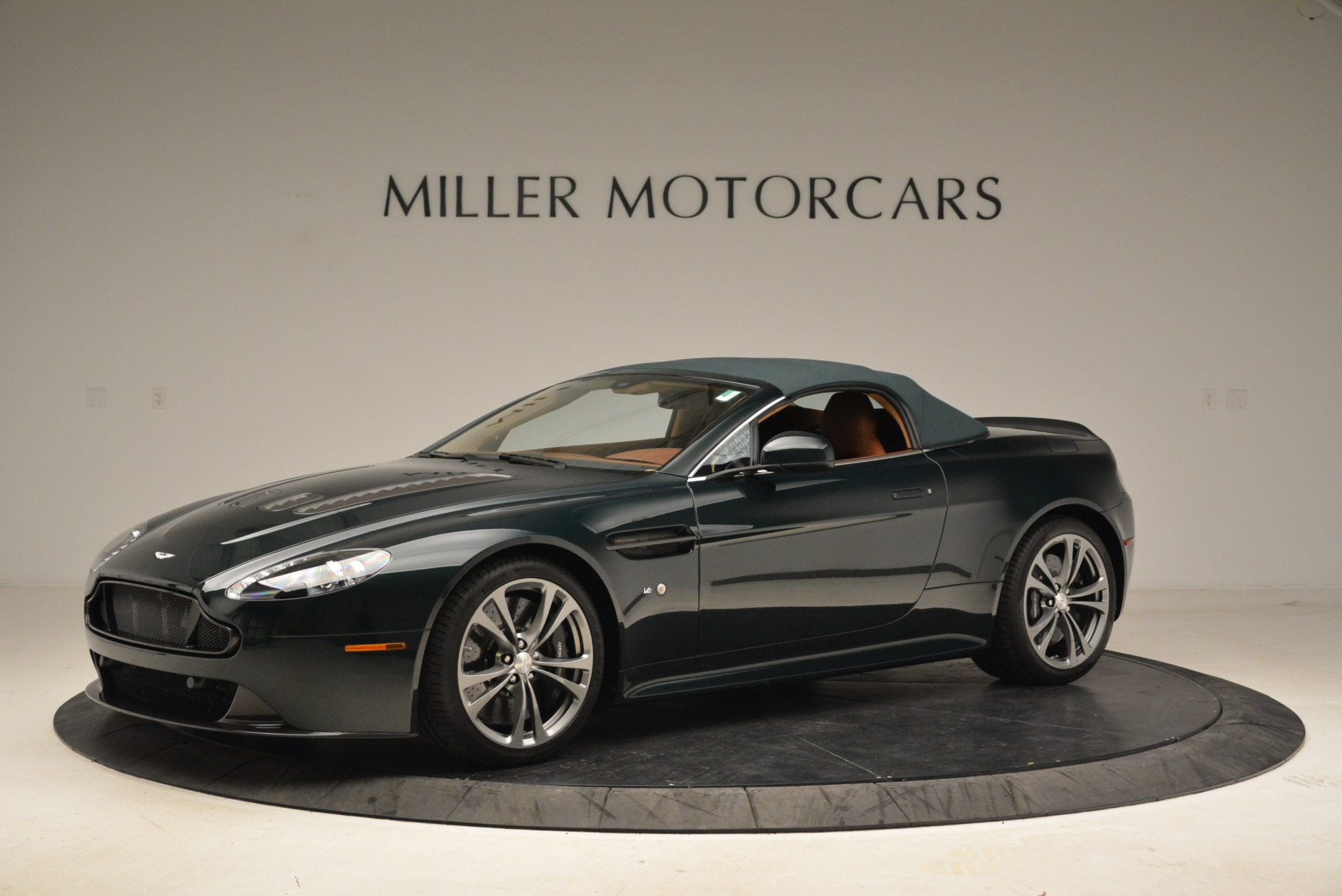 Used 2017 Aston Martin V12 Vantage S Roadster For Sale In Greenwich, CT 2055_p14