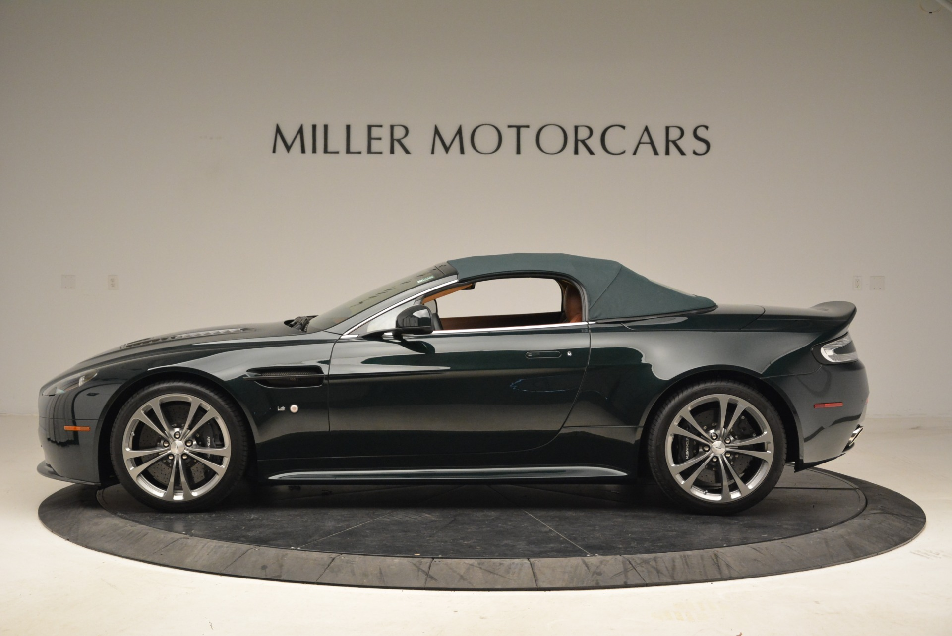 Used 2017 Aston Martin V12 Vantage S Roadster For Sale In Greenwich, CT 2055_p15