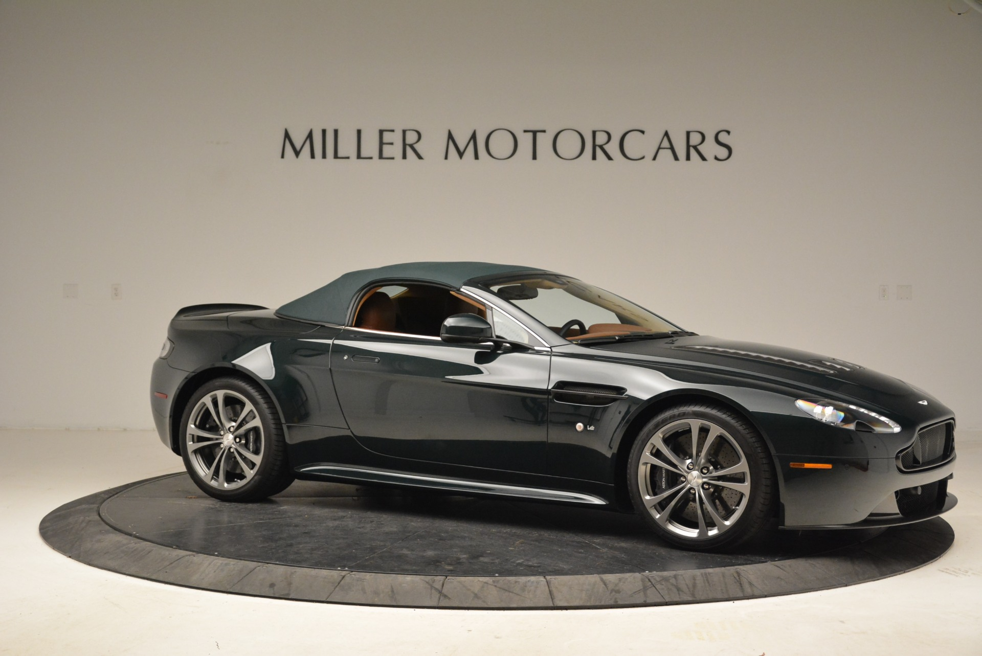 Used 2017 Aston Martin V12 Vantage S Roadster For Sale In Greenwich, CT 2055_p17