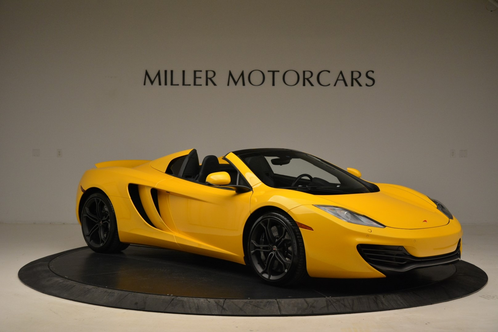 Used 2014 McLaren MP4-12C Spider For Sale In Greenwich, CT 2057_p10