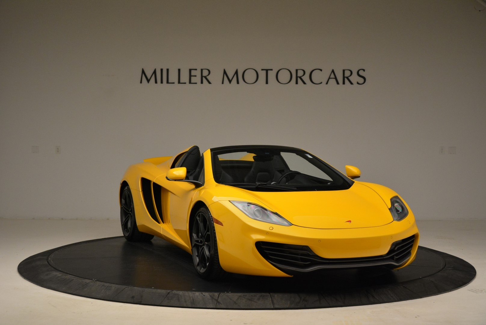 Used 2014 McLaren MP4-12C Spider For Sale In Greenwich, CT 2057_p11