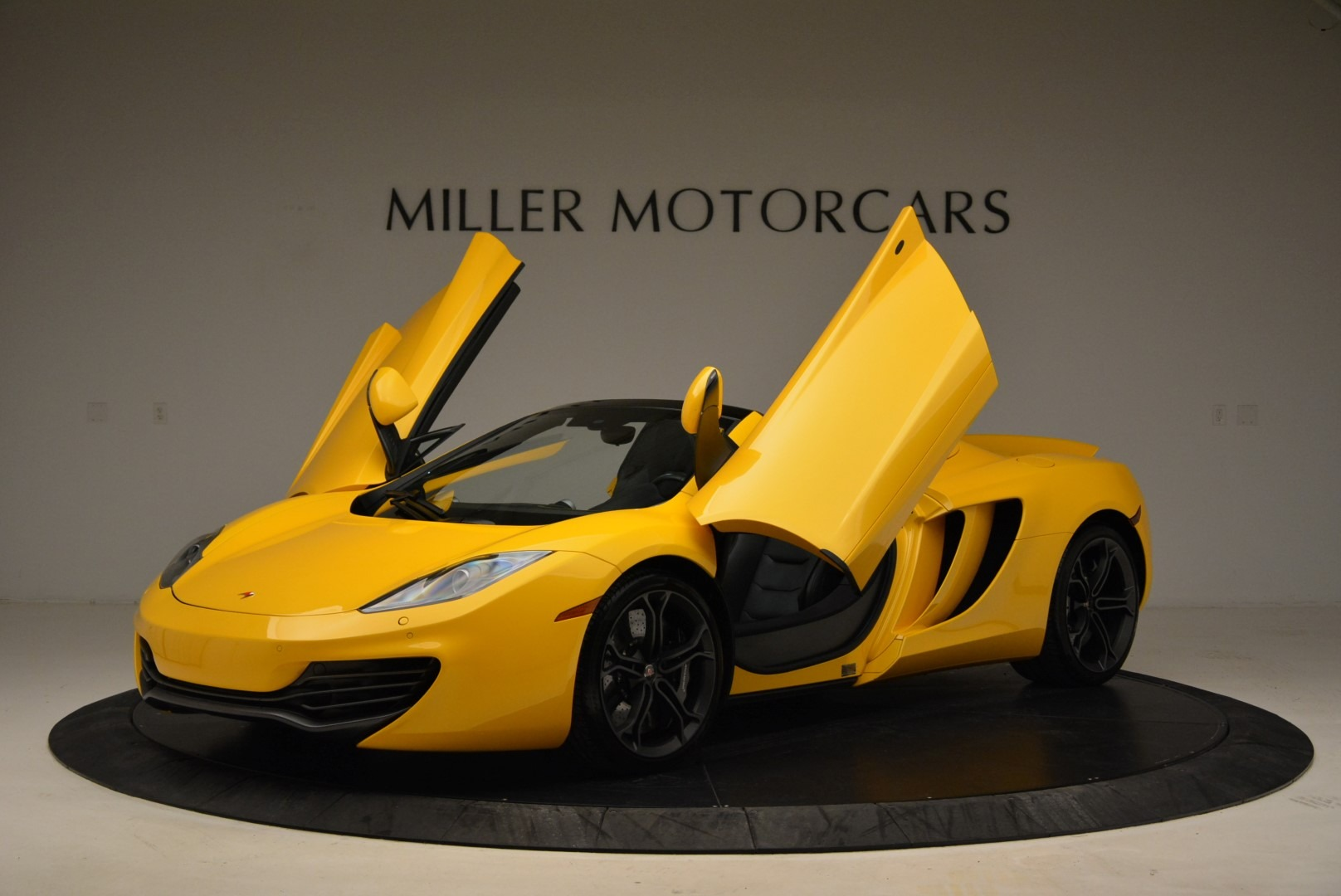 Used 2014 McLaren MP4-12C Spider For Sale In Greenwich, CT 2057_p14